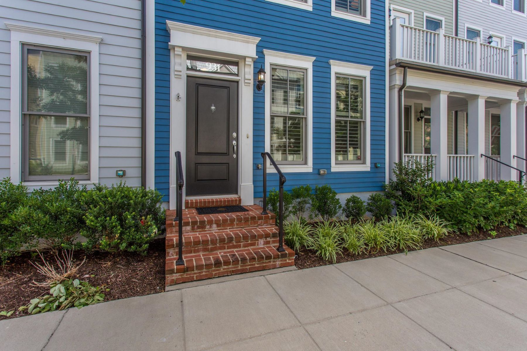Townhouse for Sale at 931 Alfred St N 931 Alfred St N Alexandria, Virginia 22314 United States
