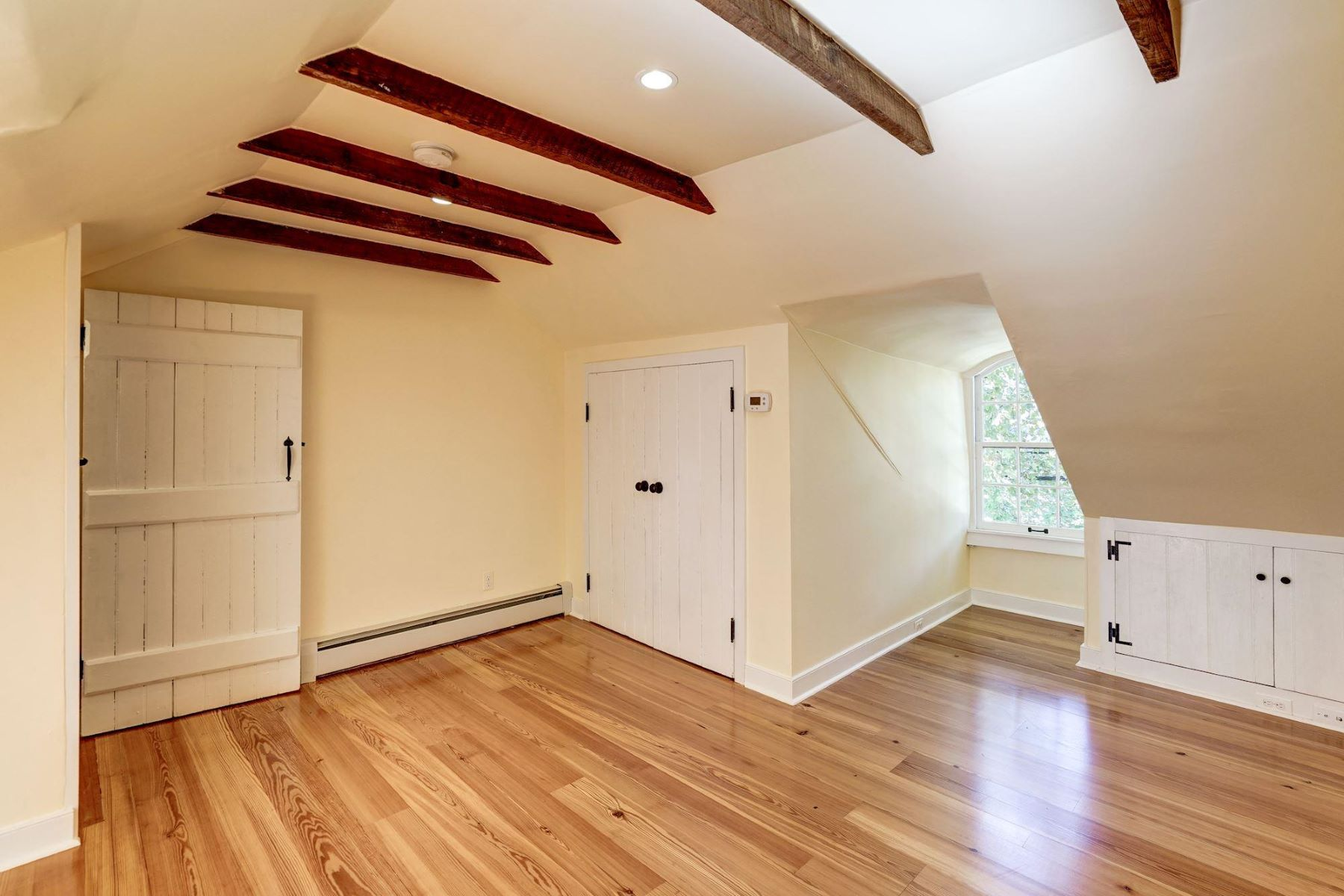 Additional photo for property listing at 1110 Prince St 1110 Prince St Alexandria, Virginia 22314 United States