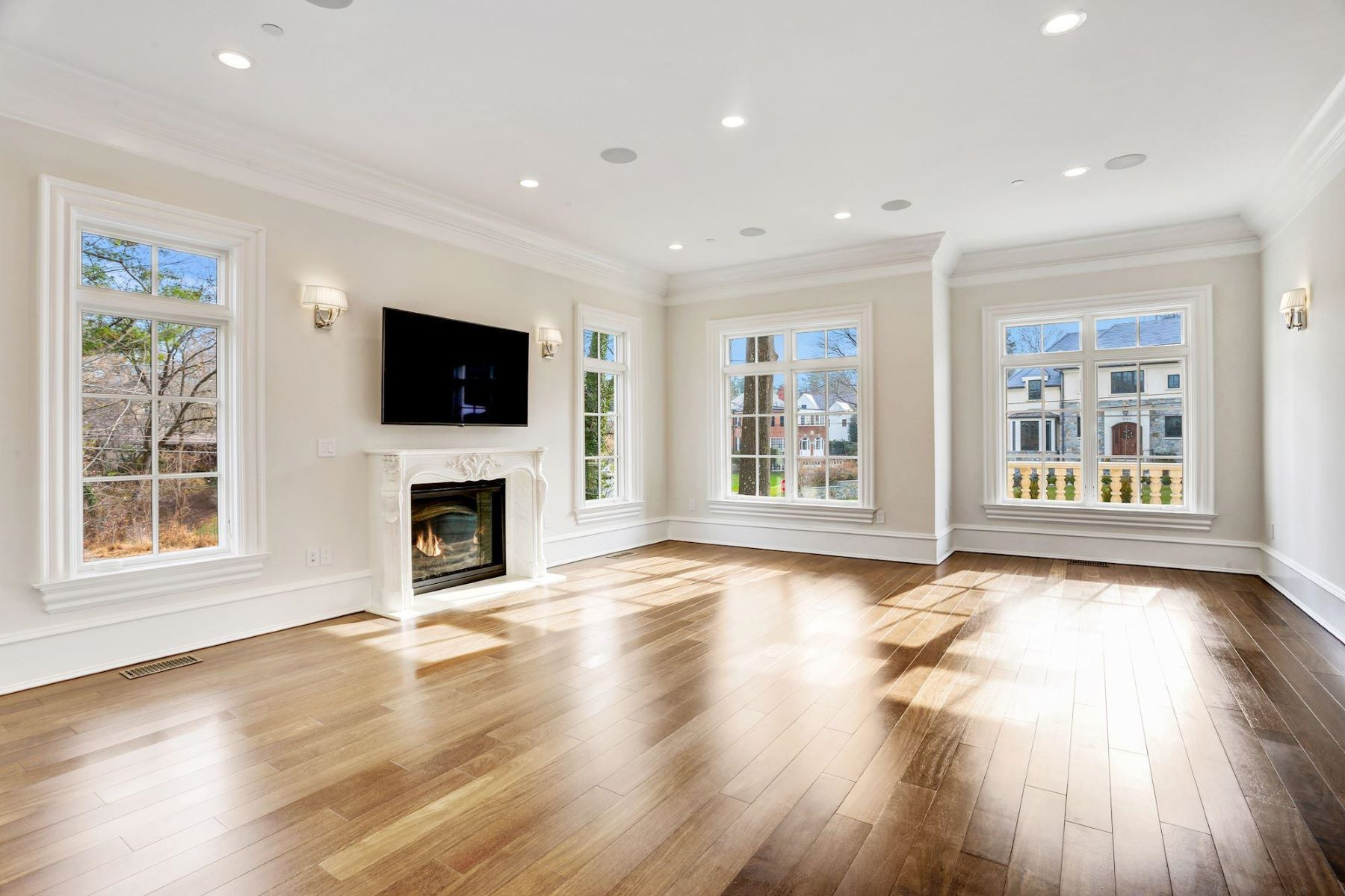 Additional photo for property listing at 3301 Fessenden St NW 3301 Fessenden St NW Washington, District Of Columbia 20008 United States