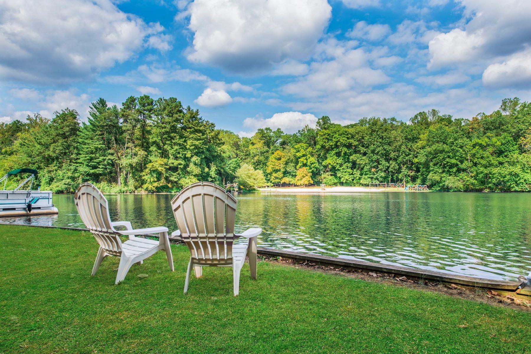 Single Family Homes por un Venta en 6434 Lakeview Dr Falls Church, Virginia 22041 Estados Unidos