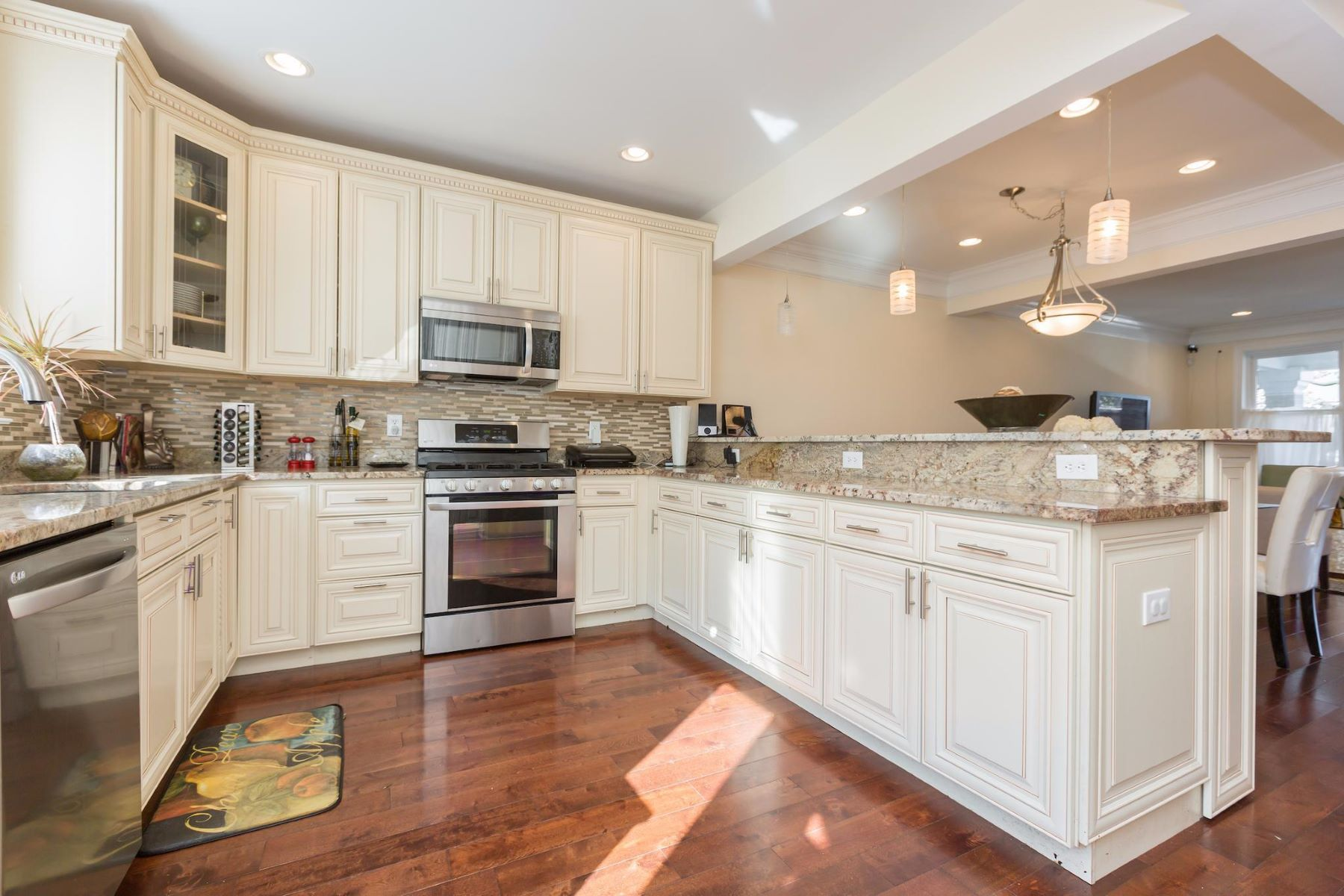 Additional photo for property listing at 310 Emerson St Nw 310 Emerson St Nw Washington, District Of Columbia 20011 United States