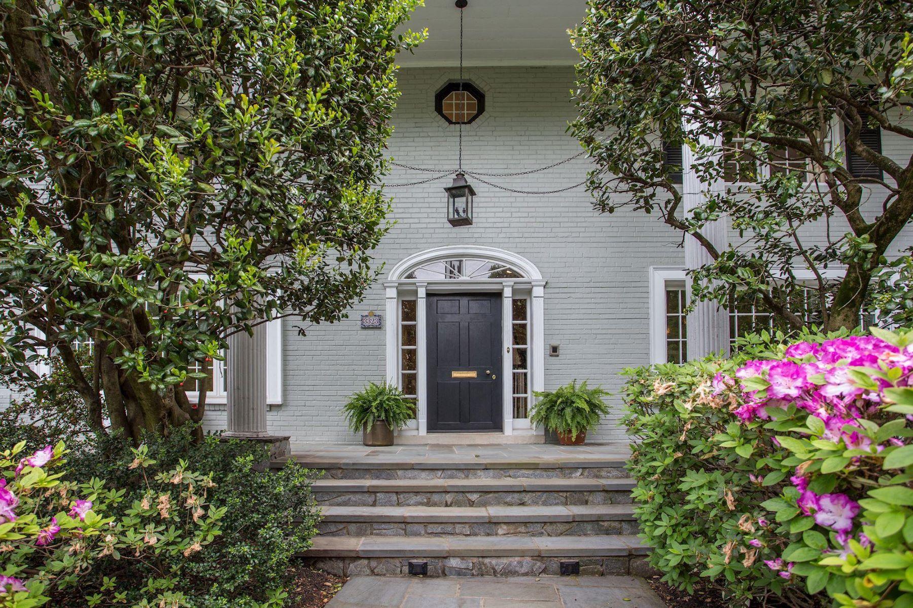 Частный односемейный дом для того Продажа на 3323 N Vermont St Arlington, Виргиния 22207 Соединенные Штаты