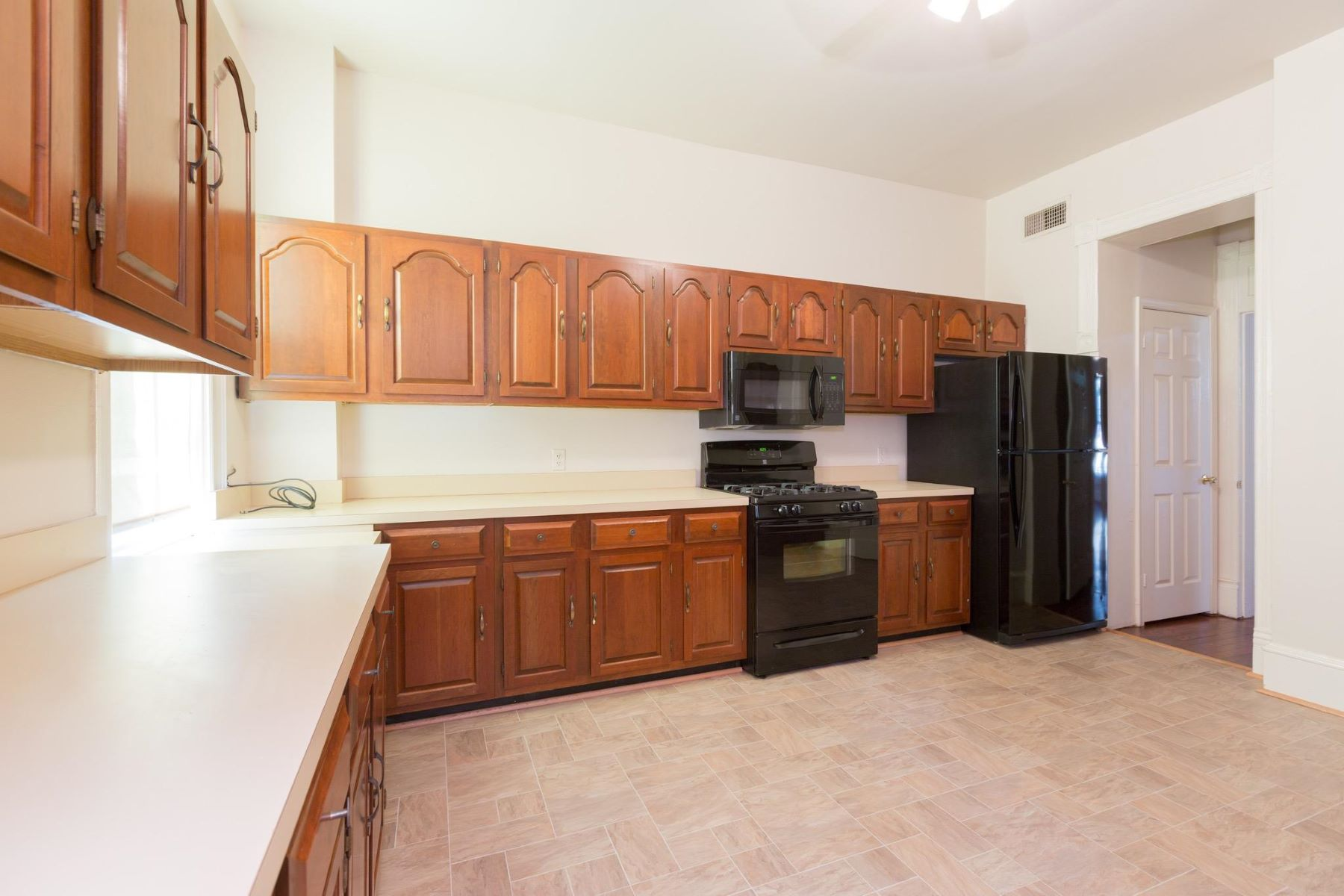 Additional photo for property listing at 2902 O ST NW 2902 O ST NW Washington, District Of Columbia 20007 United States