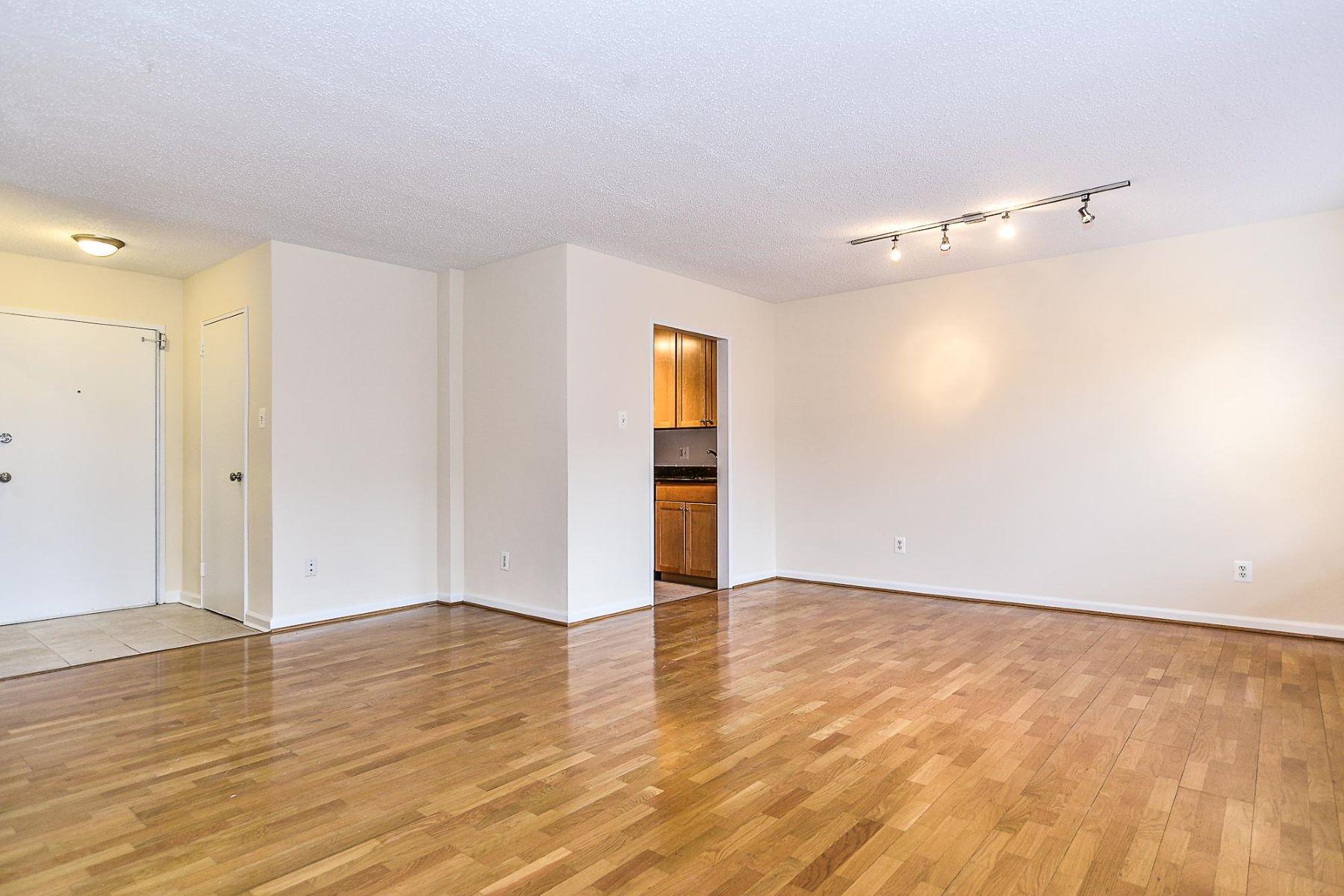 Condominium for Sale at 1730 Arlington Blvd #505 1730 Arlington Blvd #505 Arlington, Virginia 22209 United States
