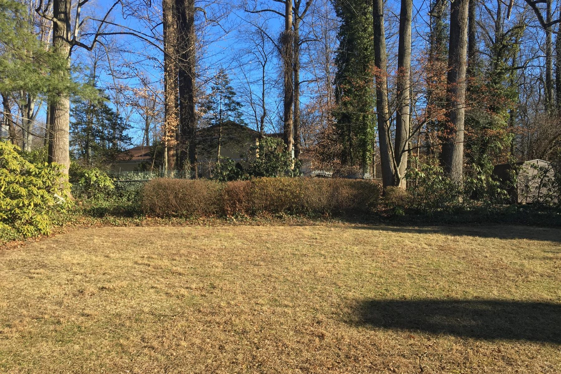 Additional photo for property listing at 7105 Orkney Pkwy 7105 Orkney Pkwy Bethesda, Maryland 20817 Stati Uniti