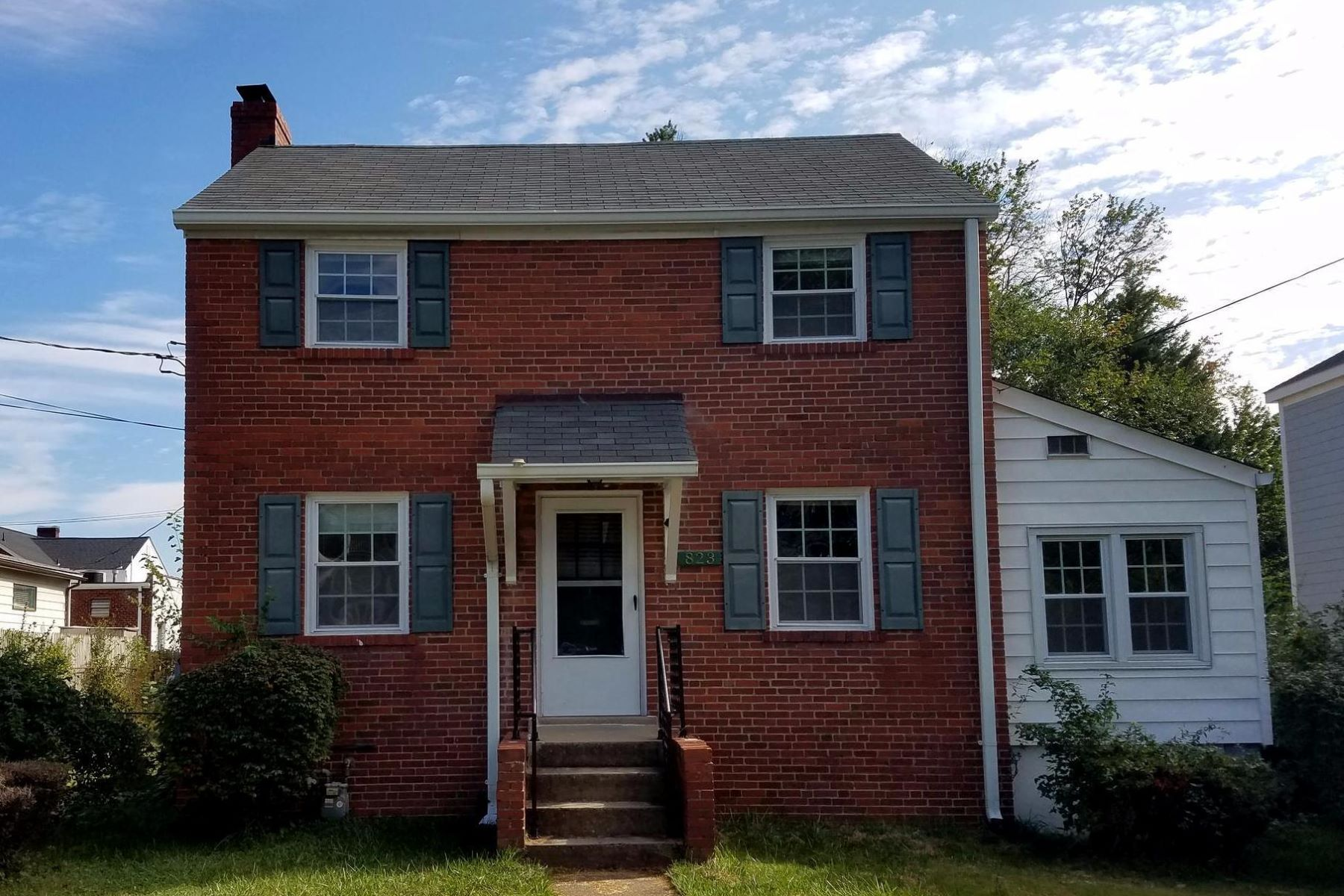 Single Family Home for Rent at 823 Greenbrier St 823 Greenbrier St Arlington, Virginia 22205 United States