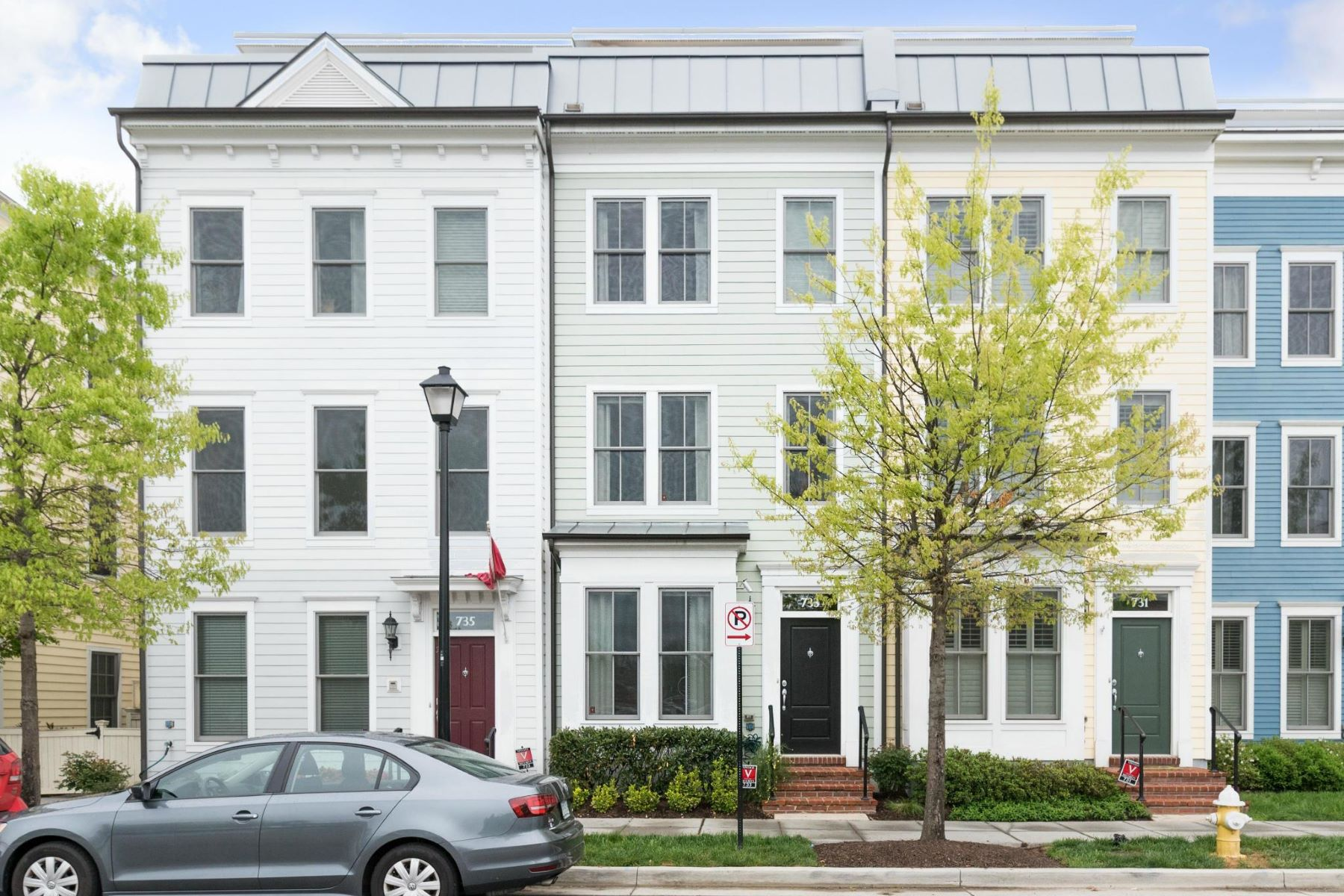 Townhouse for Sale at Old Town Commons 733 Alfred St N Alexandria, Virginia 22314 United States