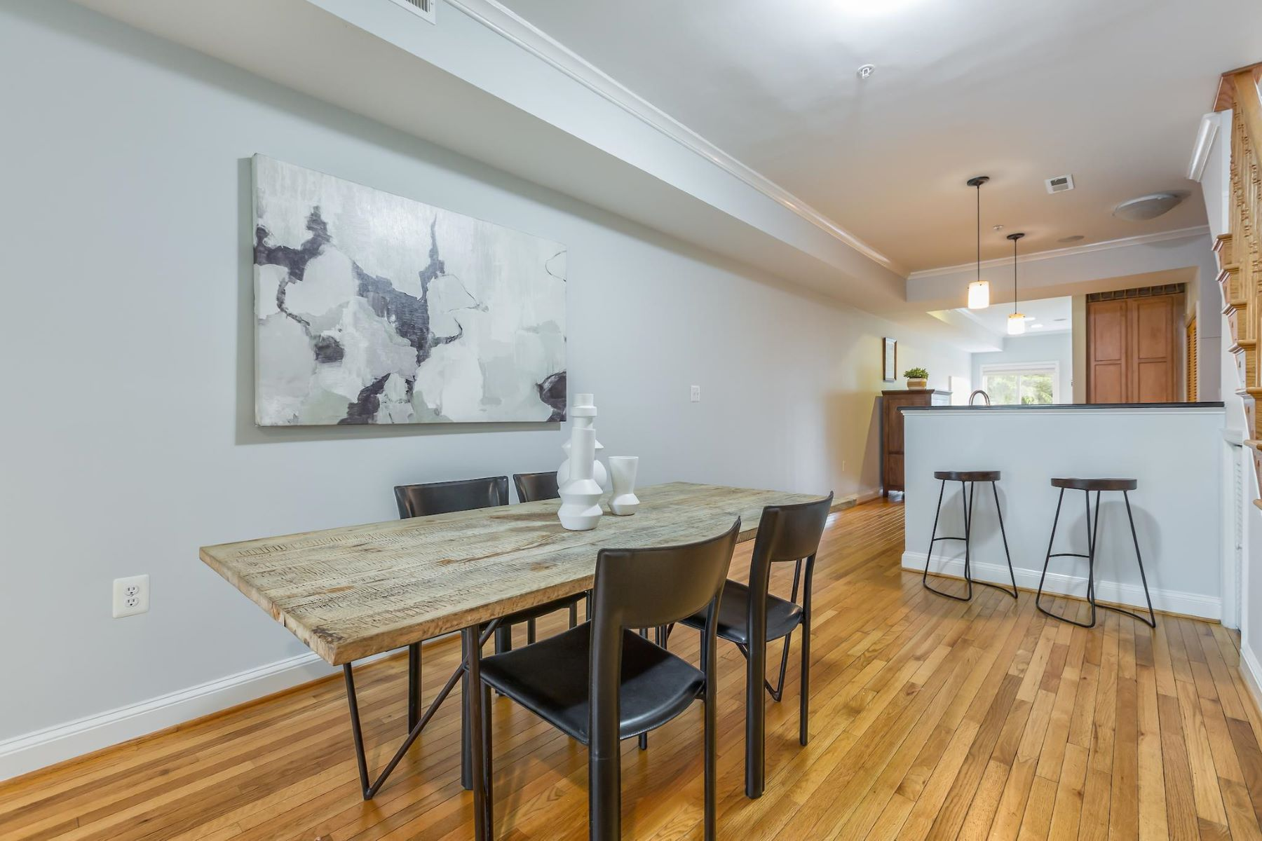 Additional photo for property listing at 1612 5th St NW #2 1612 5th St NW #2 Washington, District Of Columbia 20001 United States