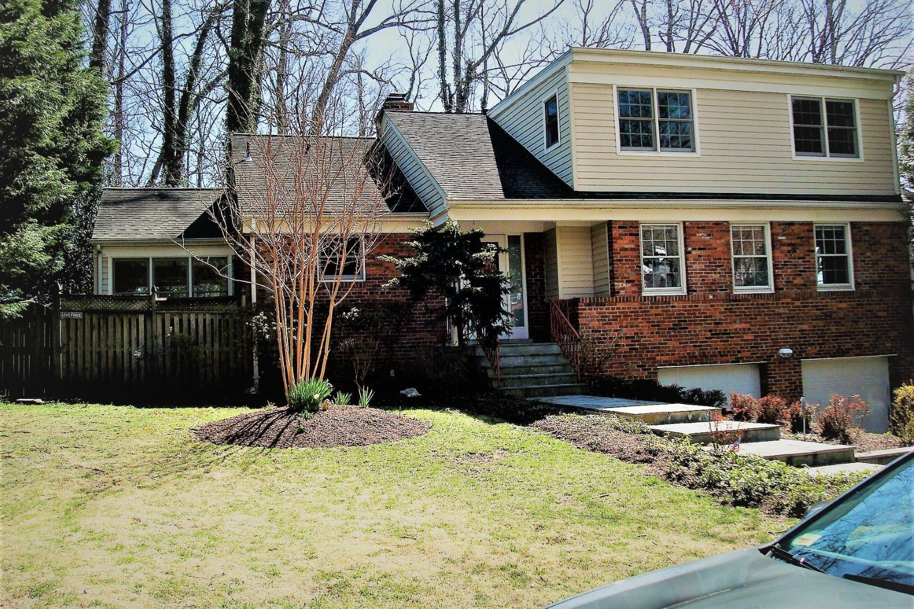 Single Family Homes for Sale at 5510 Jordan Rd Bethesda, Maryland 20816 United States