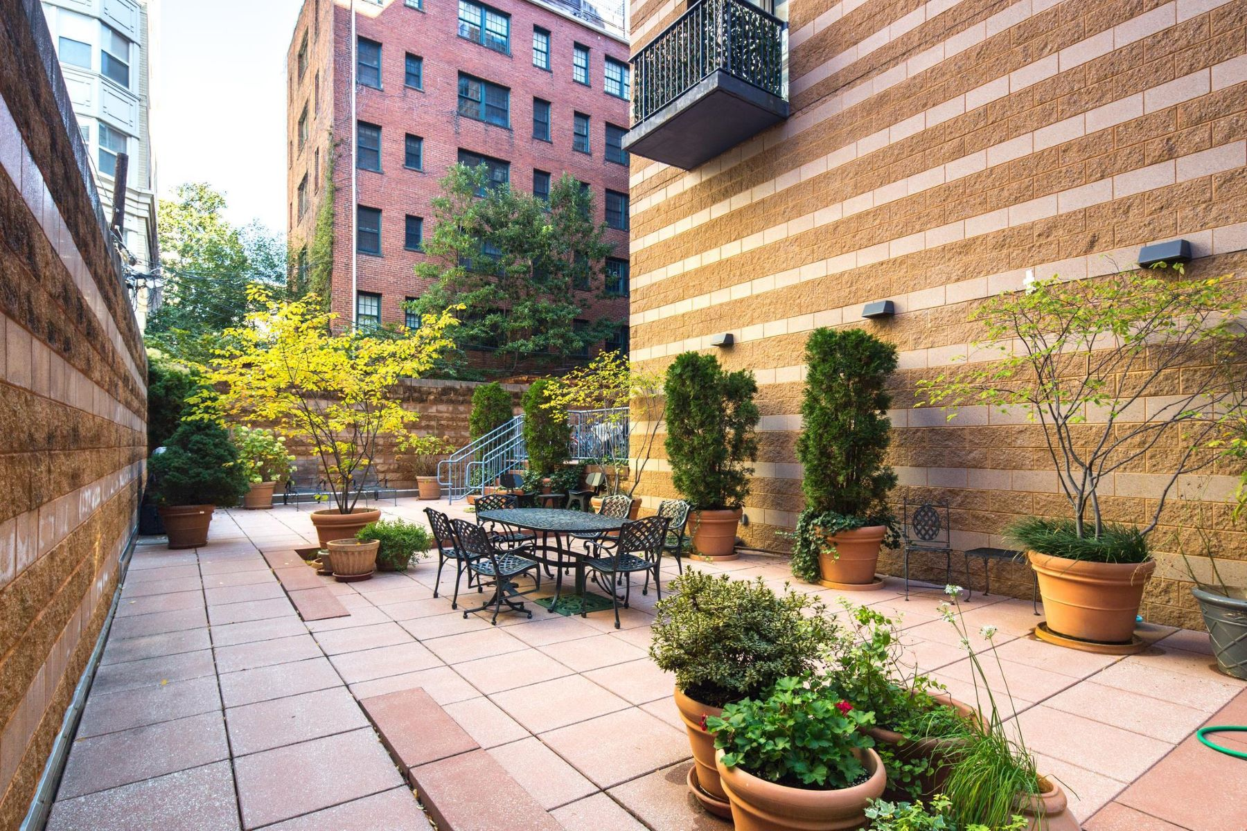 Additional photo for property listing at 1001 L St Nw #409 1001 L St Nw #409 Washington, District Of Columbia 20001 United States