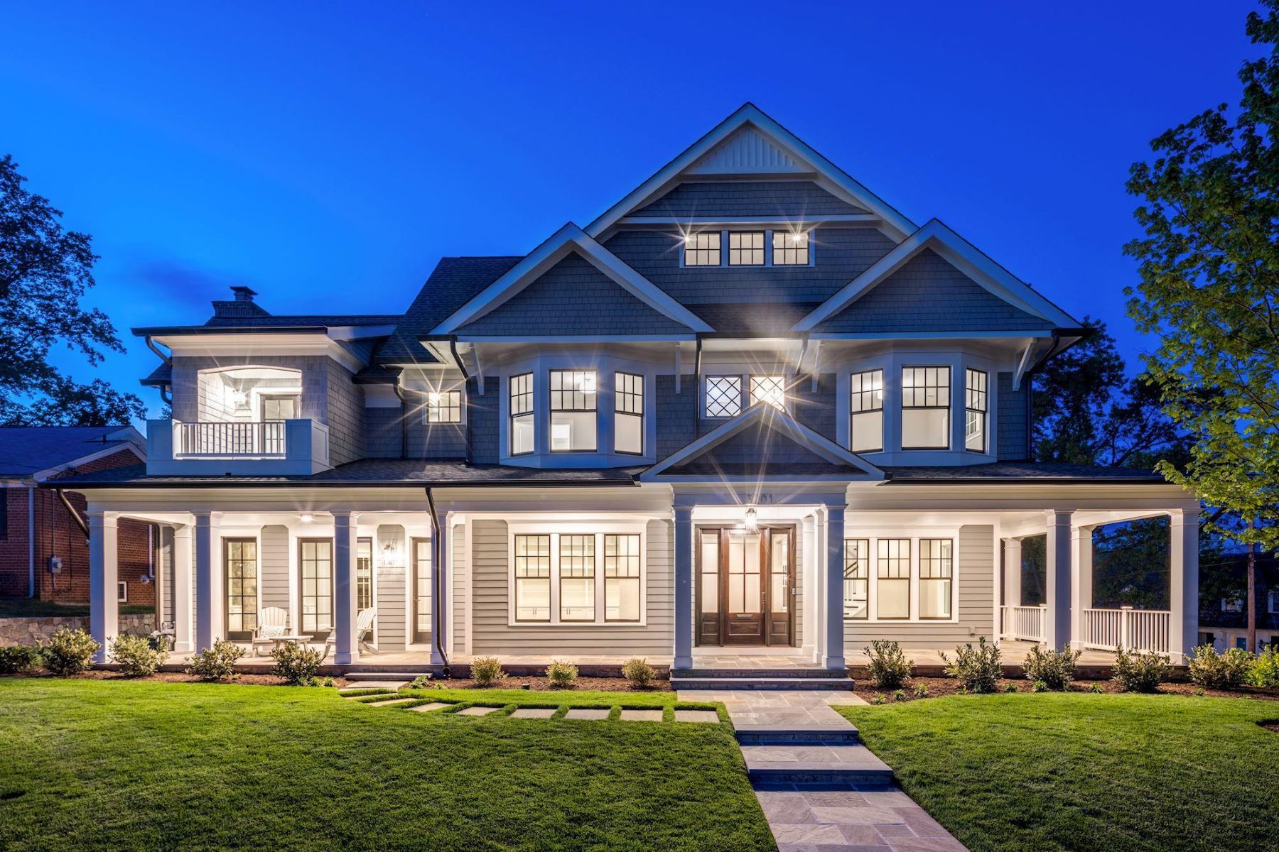 Single Family Homes for Sale at 3201 Winnett Rd Chevy Chase, Maryland 20815 United States