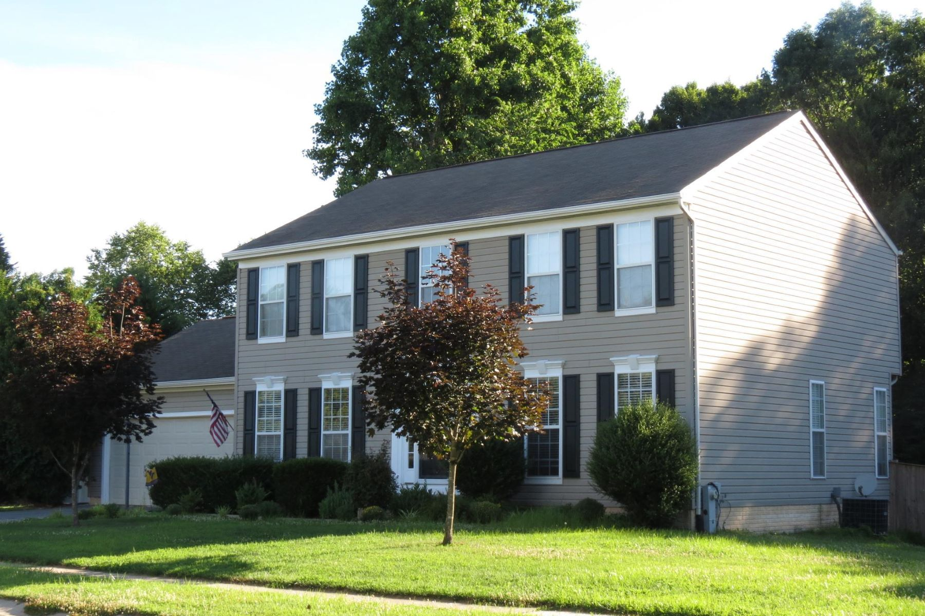 Single Family Homes for Active at 2635 Sansbury Dr Chesapeake Beach, Maryland 20732 United States