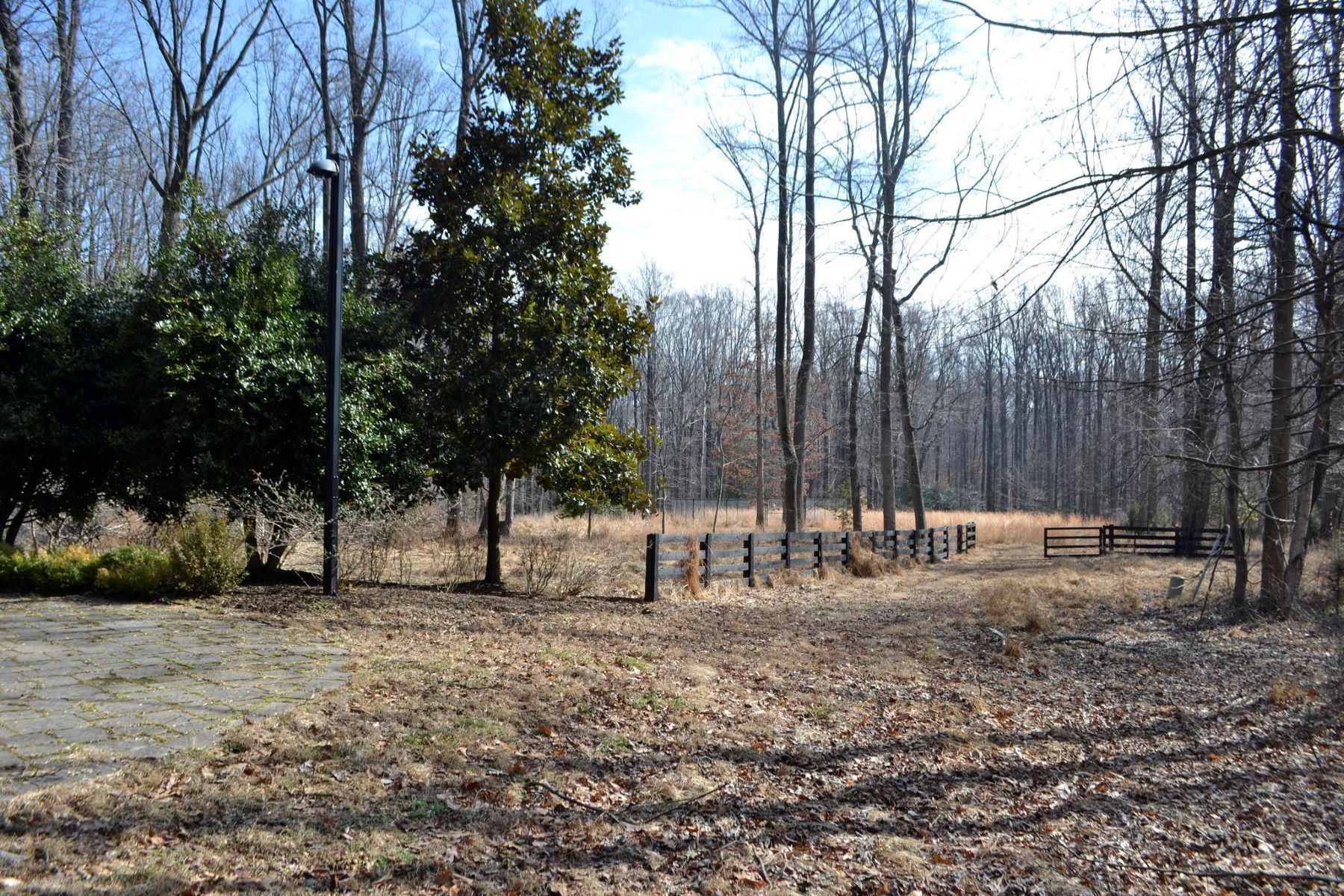 Land for Sale at 10316 Parkerhouse Dr Great Falls, Virginia 22066 United States
