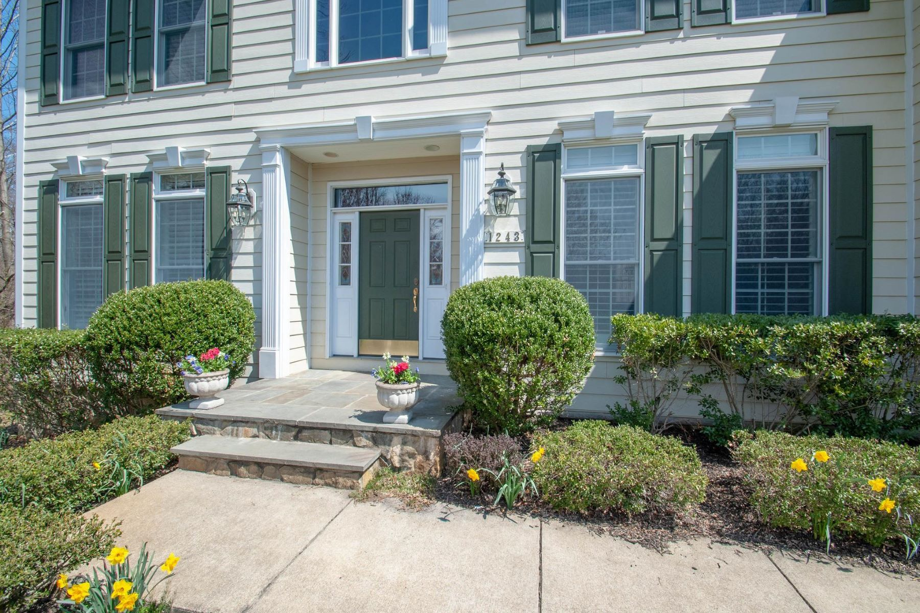 Single Family Homes for Sale at 1243 Stillwoods Way Annapolis, Maryland 21403 United States