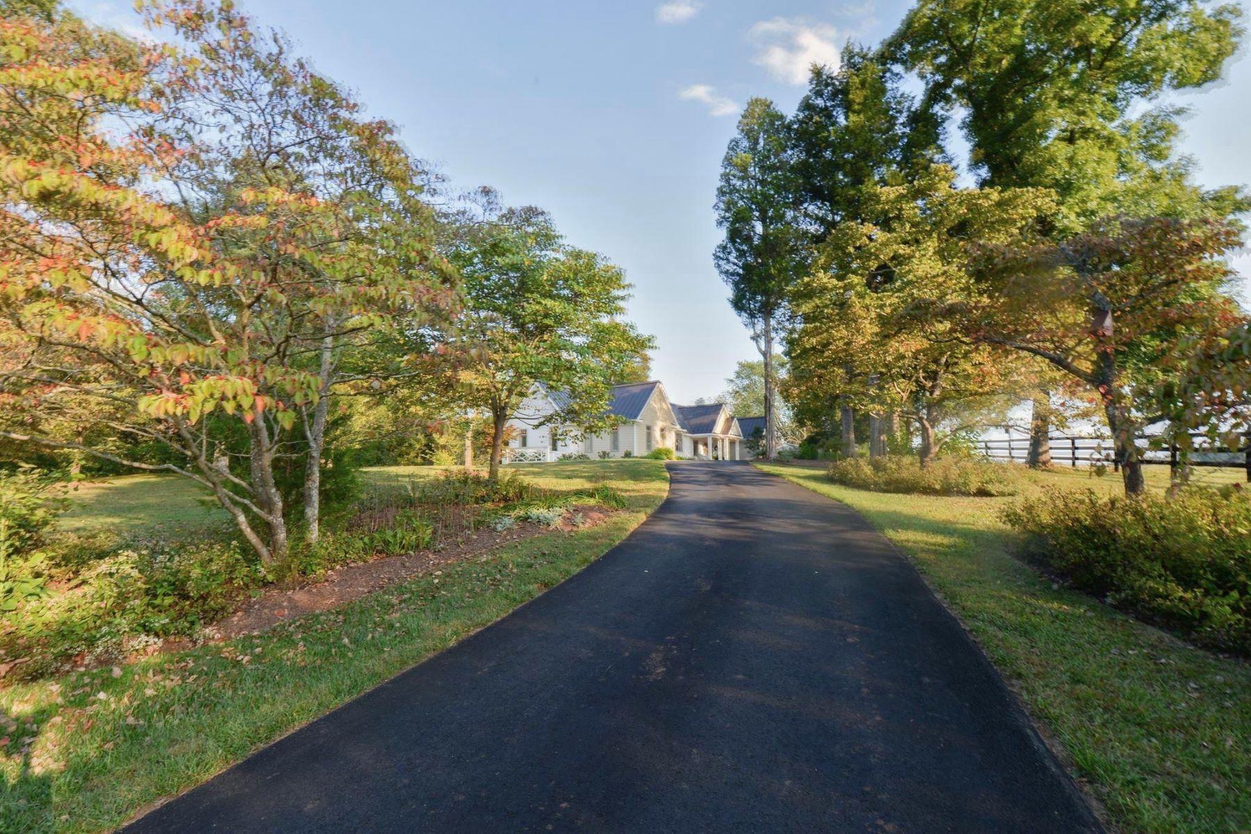 Single Family Homes por un Venta en 8639 Springs Rd Warrenton, Virginia 20186 Estados Unidos