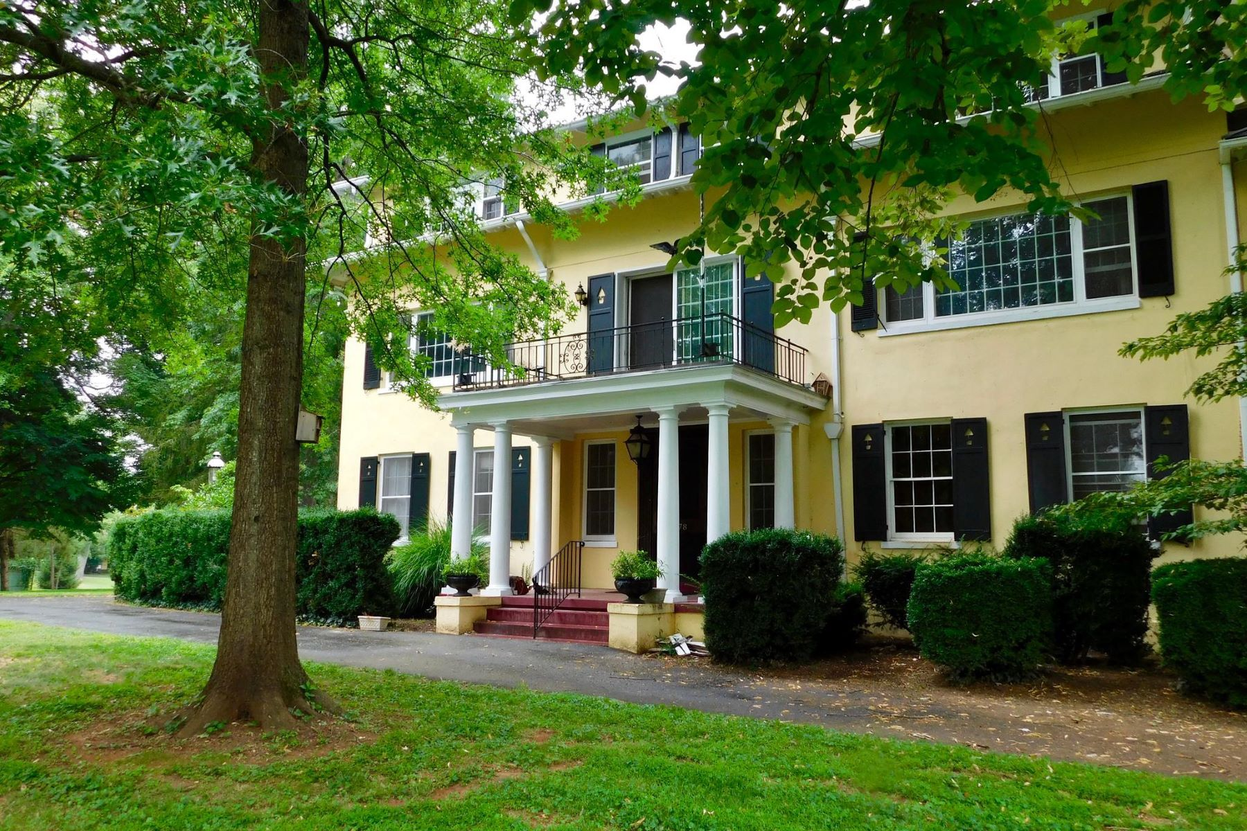 Single Family Homes for Sale at 7078 Airlie Rd Airlie Farm Airlie Road, Warrenton, Virginia 20187 United States