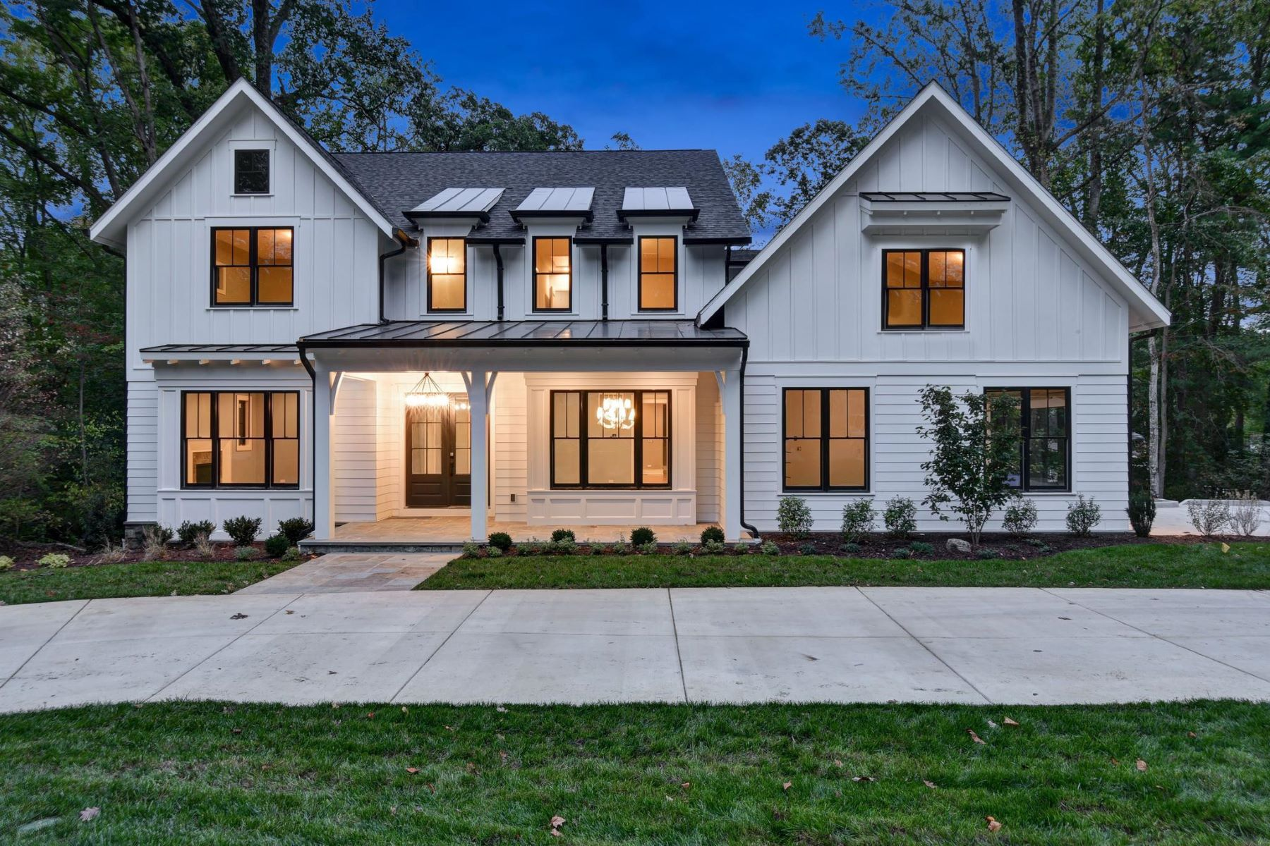 Single Family Homes for Active at 8721 Burning Tree Rd Bethesda, Maryland 20817 United States