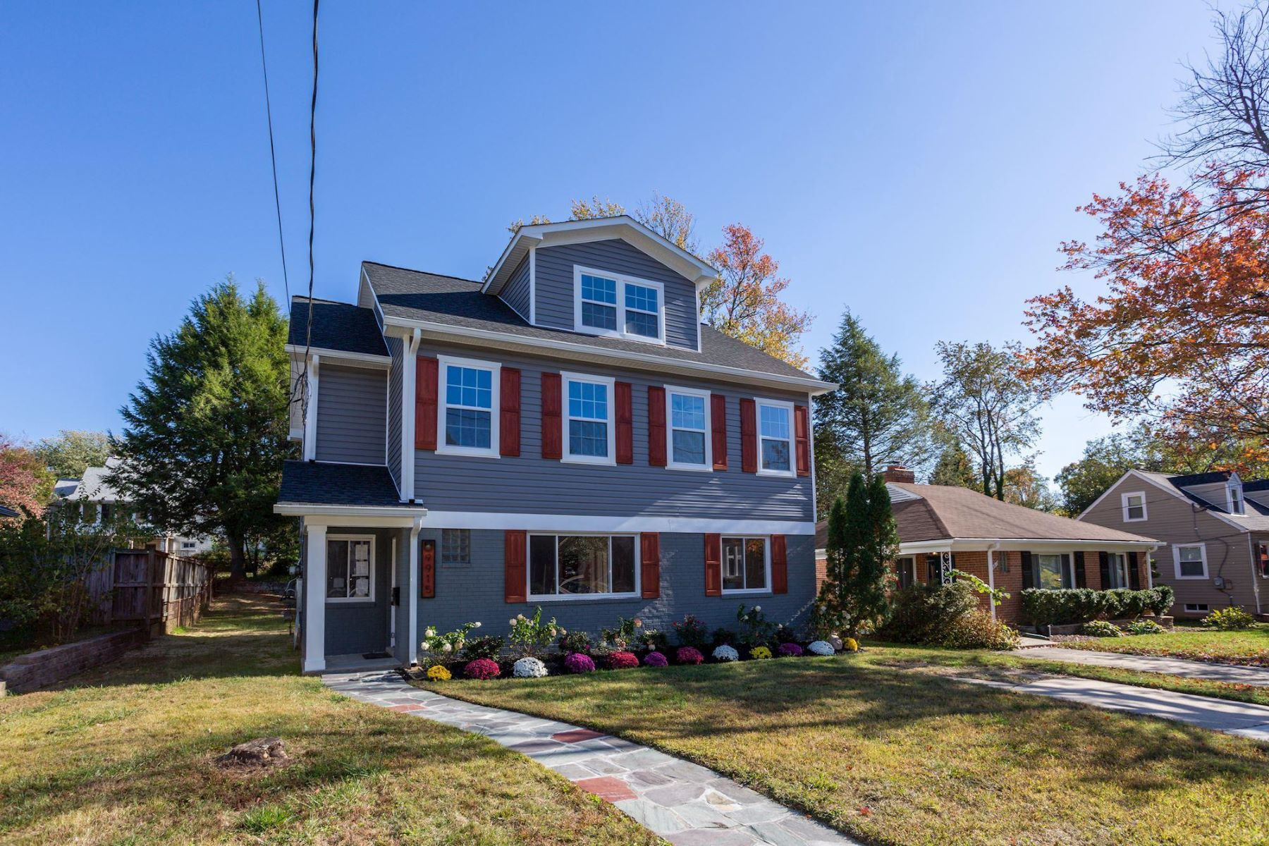 Single Family Homes for Sale at 9915 Lorain Ave Silver Spring, Maryland 20901 United States