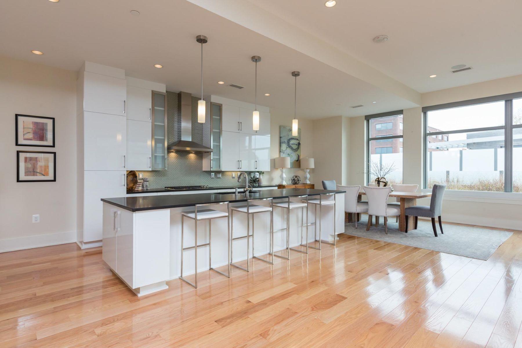 Πολυκατοικία ατομικής ιδιοκτησίας για την Πώληση στο 601 Fairfax St #202 601 Fairfax St #202 Alexandria, Βιρτζινια 22314 Ηνωμενεσ Πολιτειεσ