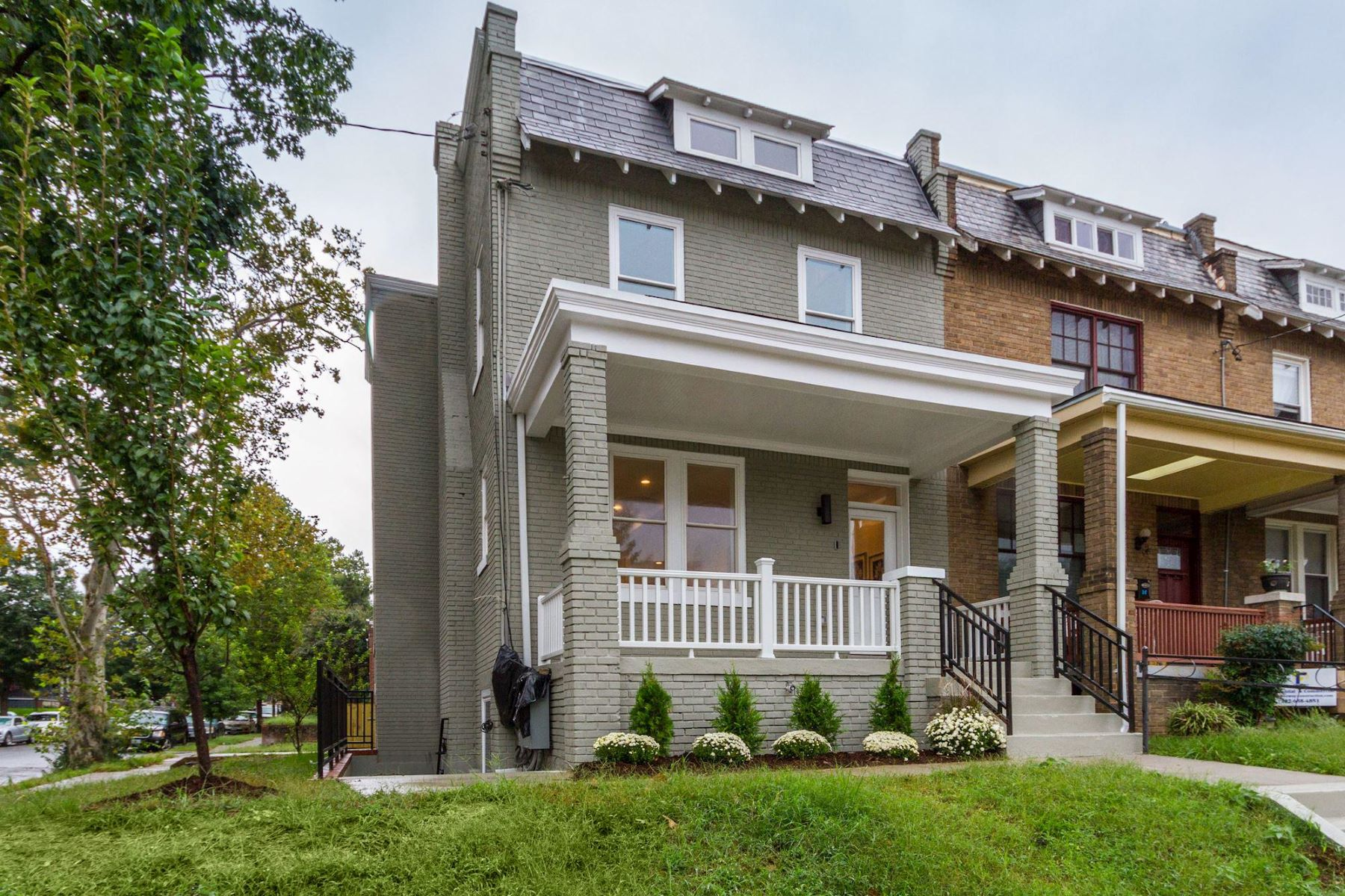Single Family Home for Sale at 5521 3rd St NW #two 5521 3rd St NW #two Washington, District Of Columbia 20011 United States