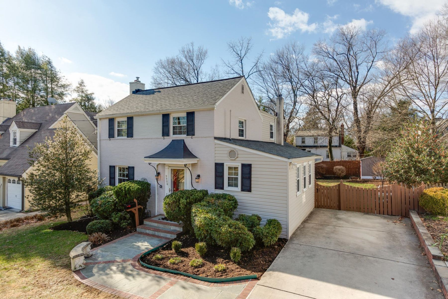 Single Family Homes for Active at 9906 Edgehill Ln Silver Spring, Maryland 20901 United States