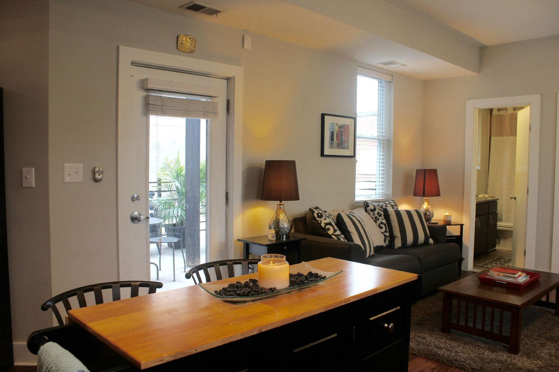 Additional photo for property listing at 284 15th St Se #101 284 15th St Se #101 Washington, District Of Columbia 20003 United States