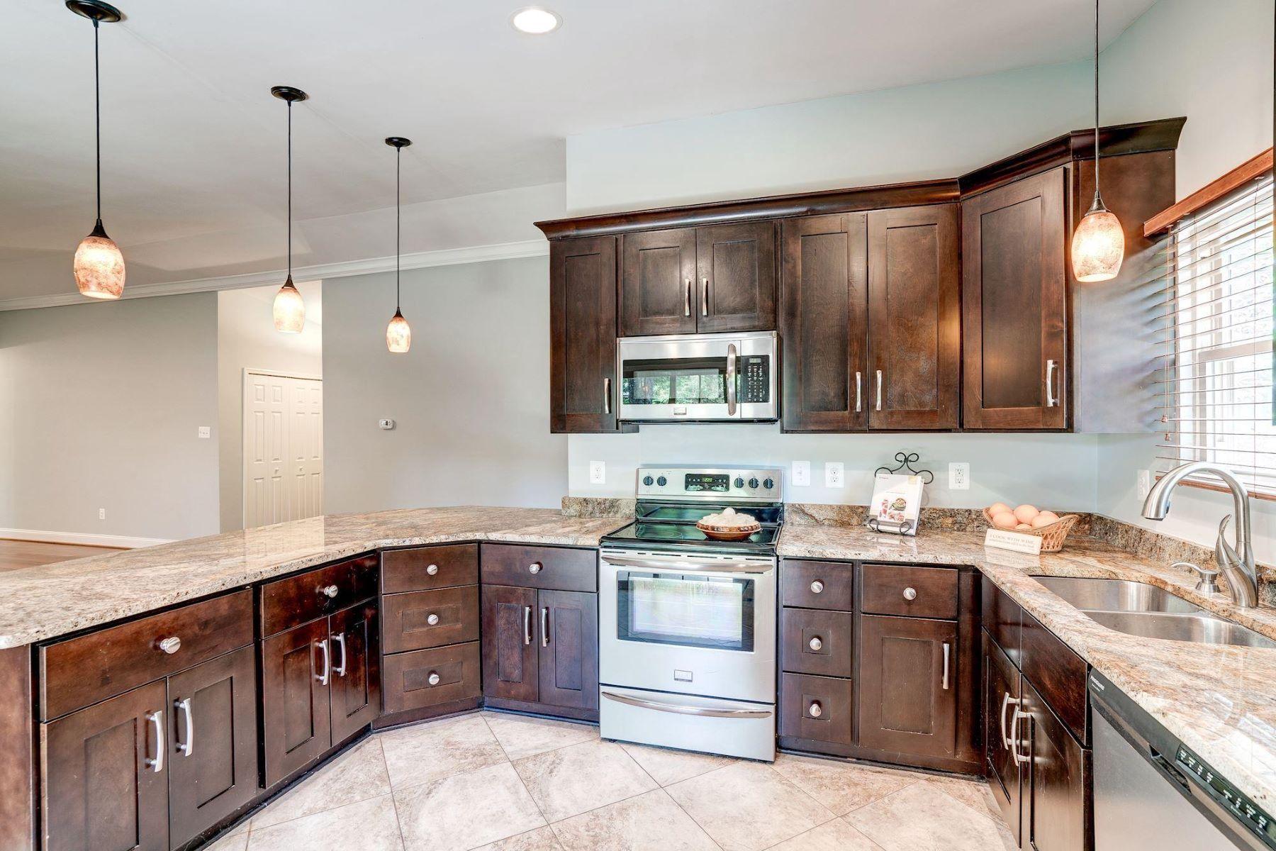 Single Family Homes por un Venta en 1522 Hiddenbrook Dr Herndon, Virginia 20170 Estados Unidos