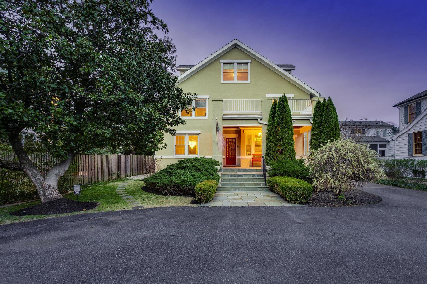 Single Family Homes por un Venta en 4311 Bradley Ln Chevy Chase, Maryland 20815 Estados Unidos