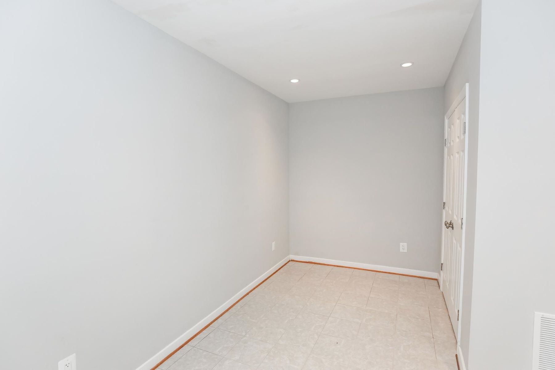 Additional photo for property listing at 1616 6th St Nw #1 1616 6th St Nw #1 Washington, District Of Columbia 20001 United States