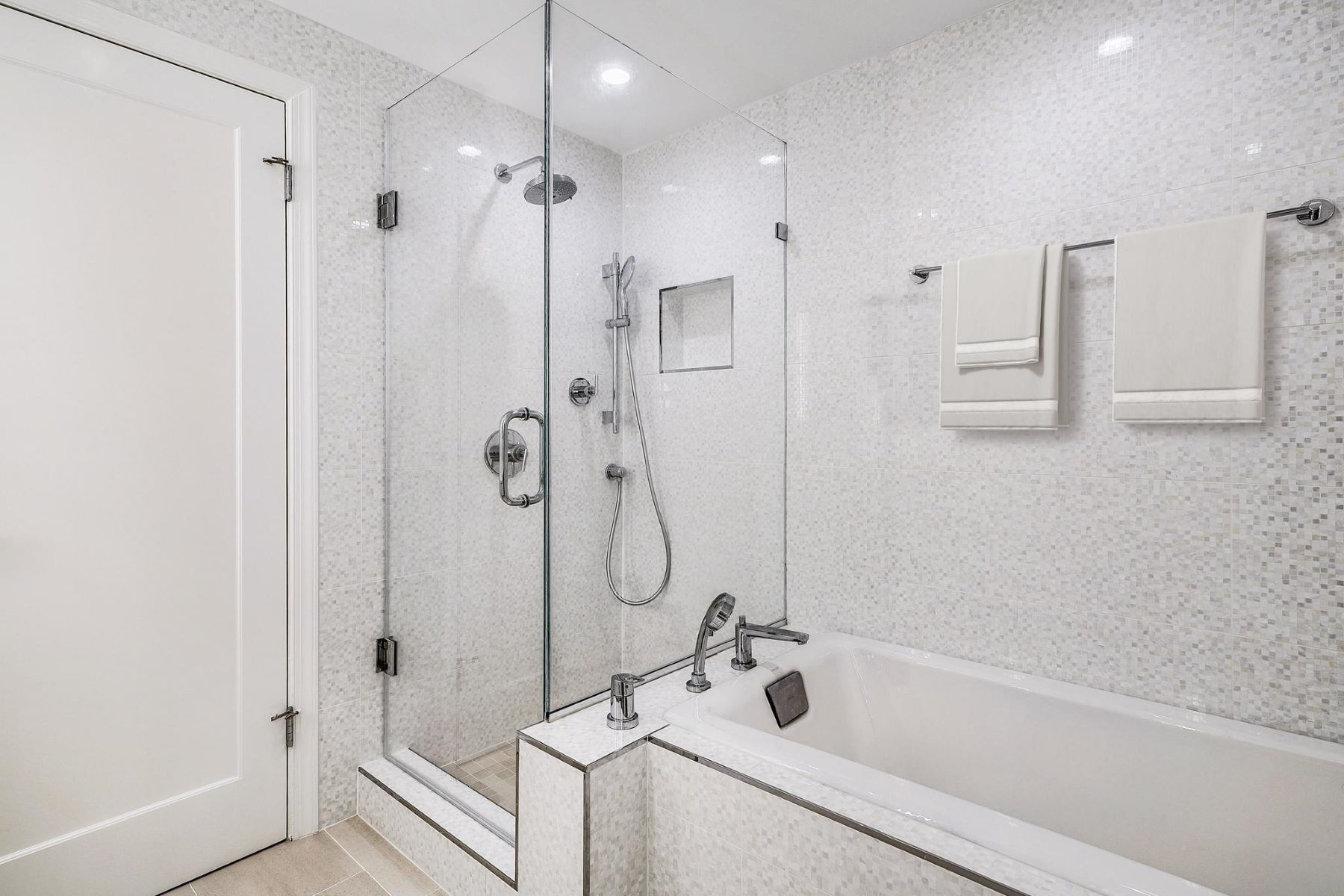 Additional photo for property listing at 2301 N Street NW #716 2301 N St NW #716 Washington, District Of Columbia 20037 United States