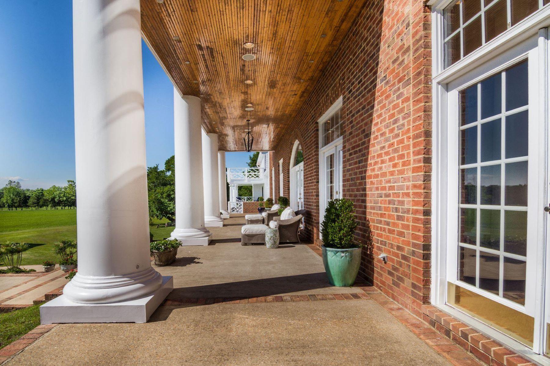 Частный односемейный дом для того Продажа на 4 Pointers Ridge Ct Fredericksburg, Виргиния 22405 Соединенные Штаты