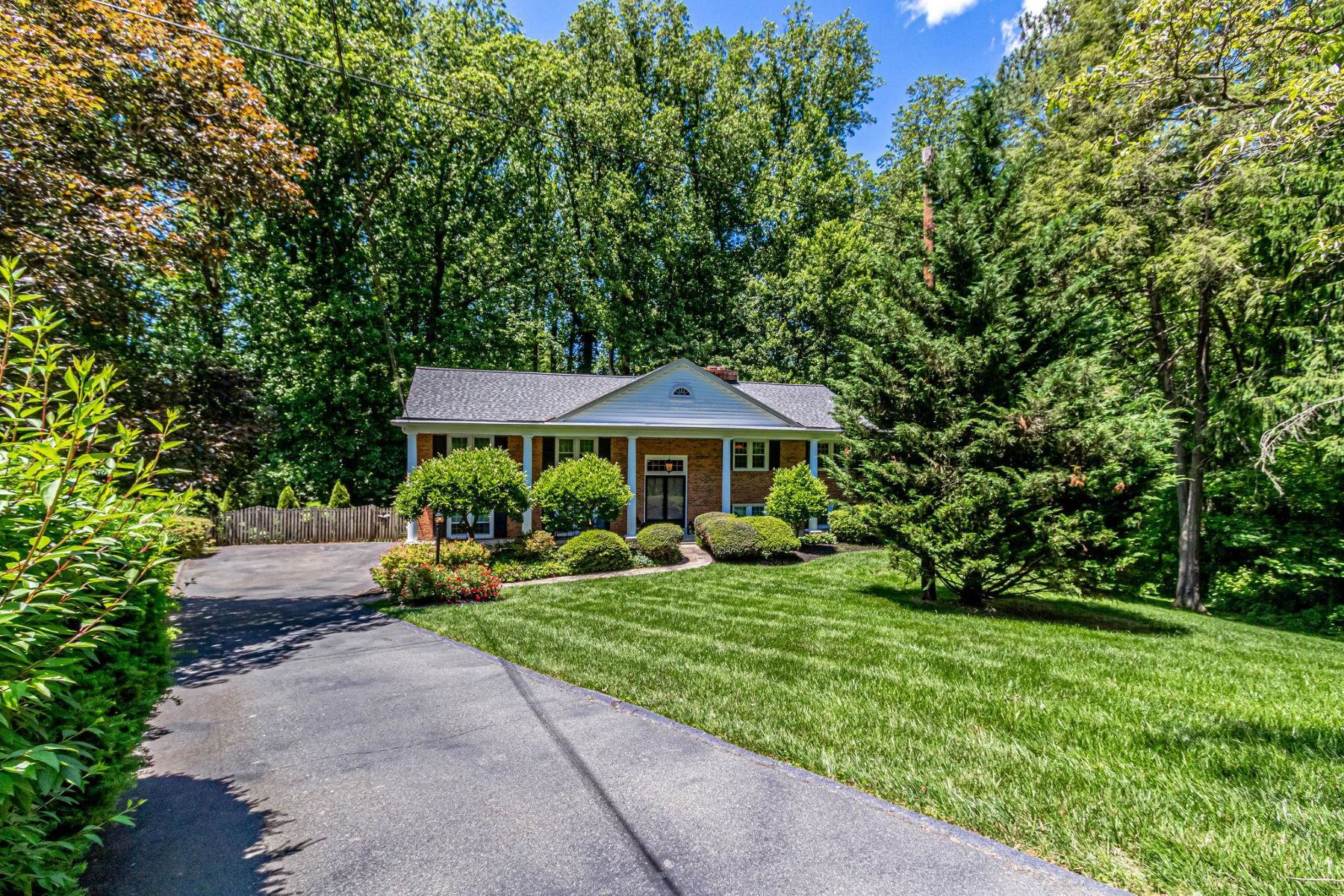 Single Family Homes للـ Sale في Annandale, Virginia 22003 United States