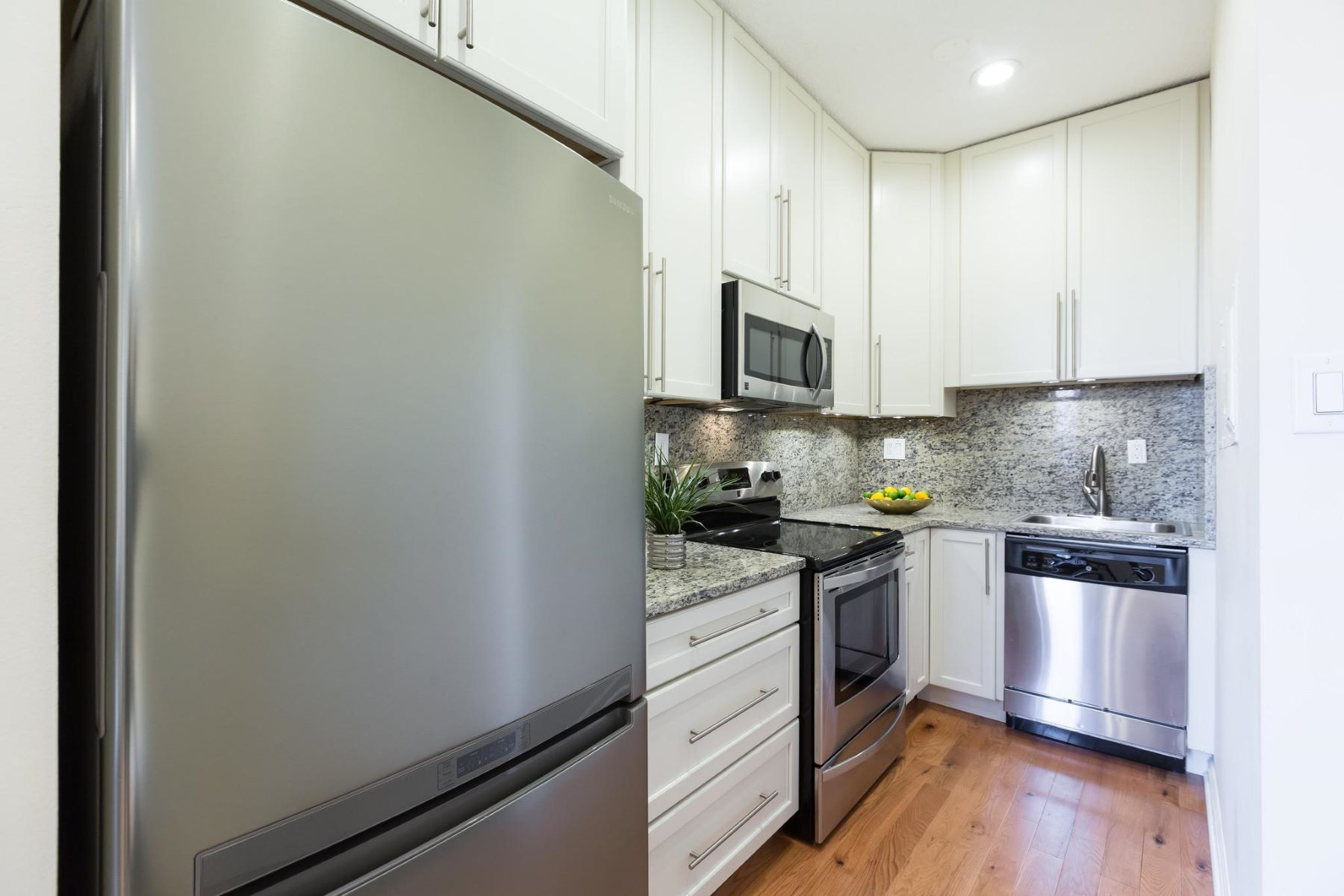 Additional photo for property listing at 1615 Q St Nw #207 1615 Q St Nw #207 Washington, District Of Columbia 20009 United States