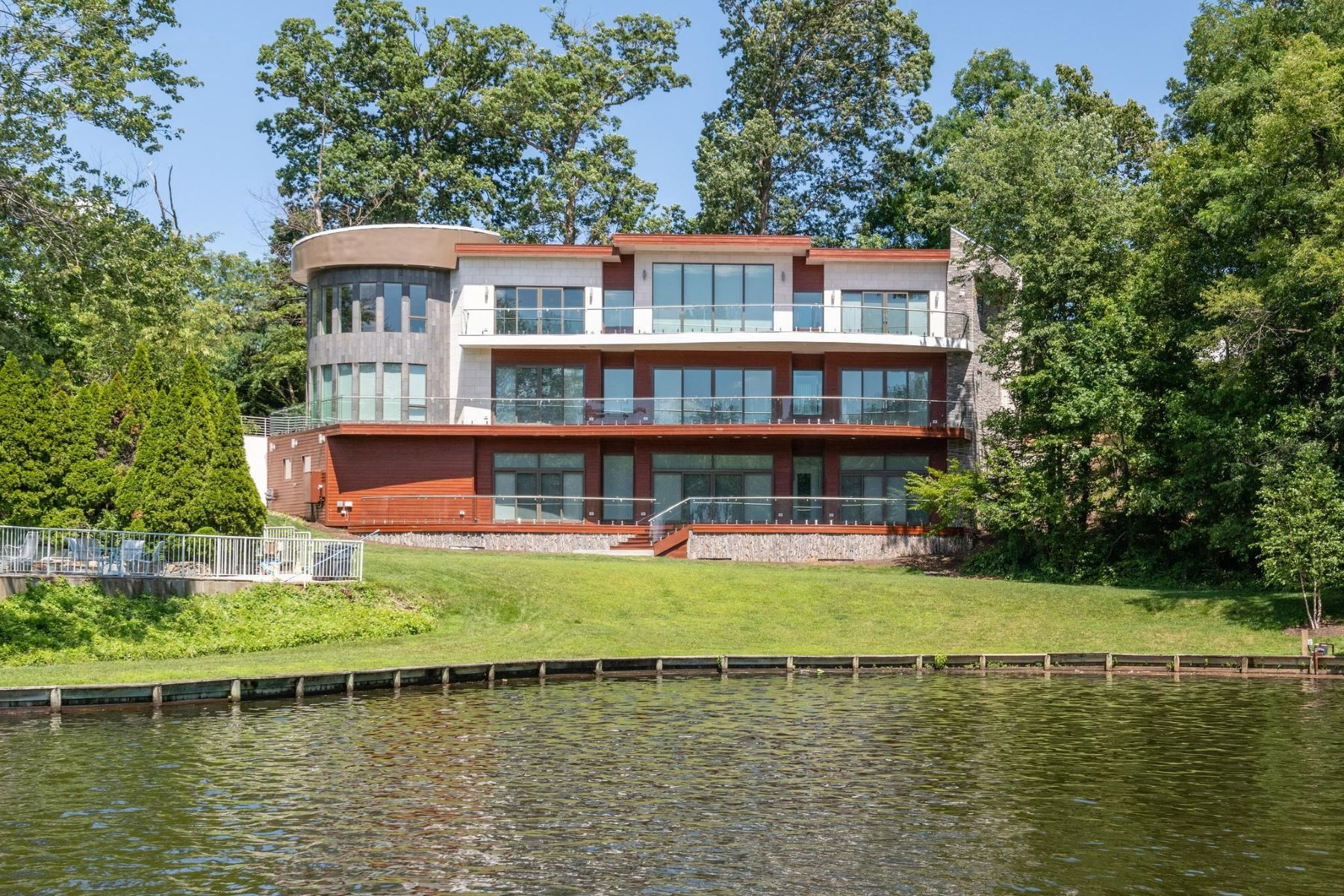 Single Family Homes for Sale at Falls Church, Virginia 22041 United States