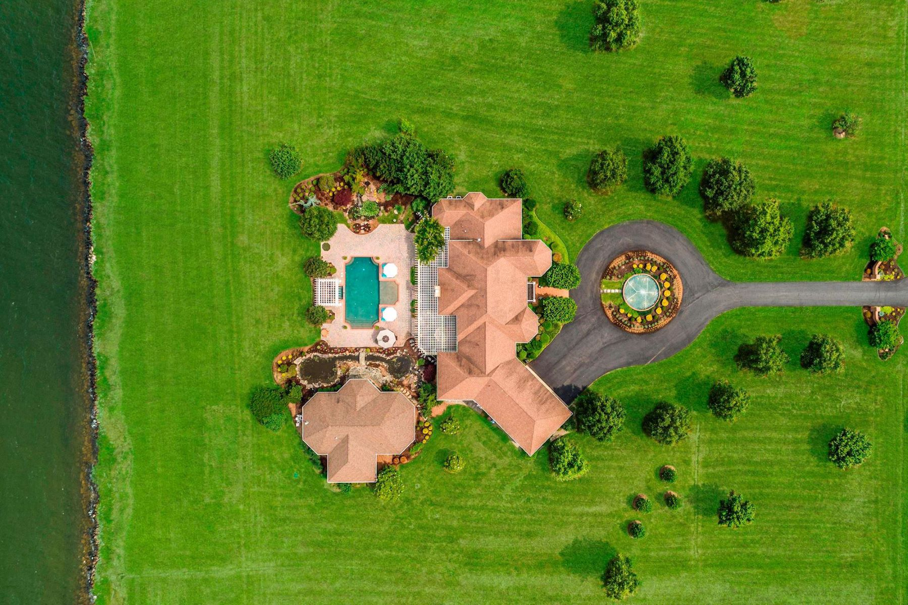 single family homes for Active at 3102 Bennett Point Rd Queenstown, Maryland 21658 United States