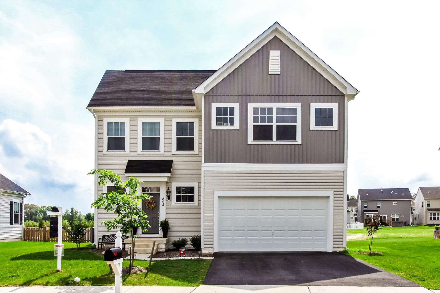 single family homes pour l Vente à 805 Dunraven Way Purcellville, Virginia 20132 États-Unis