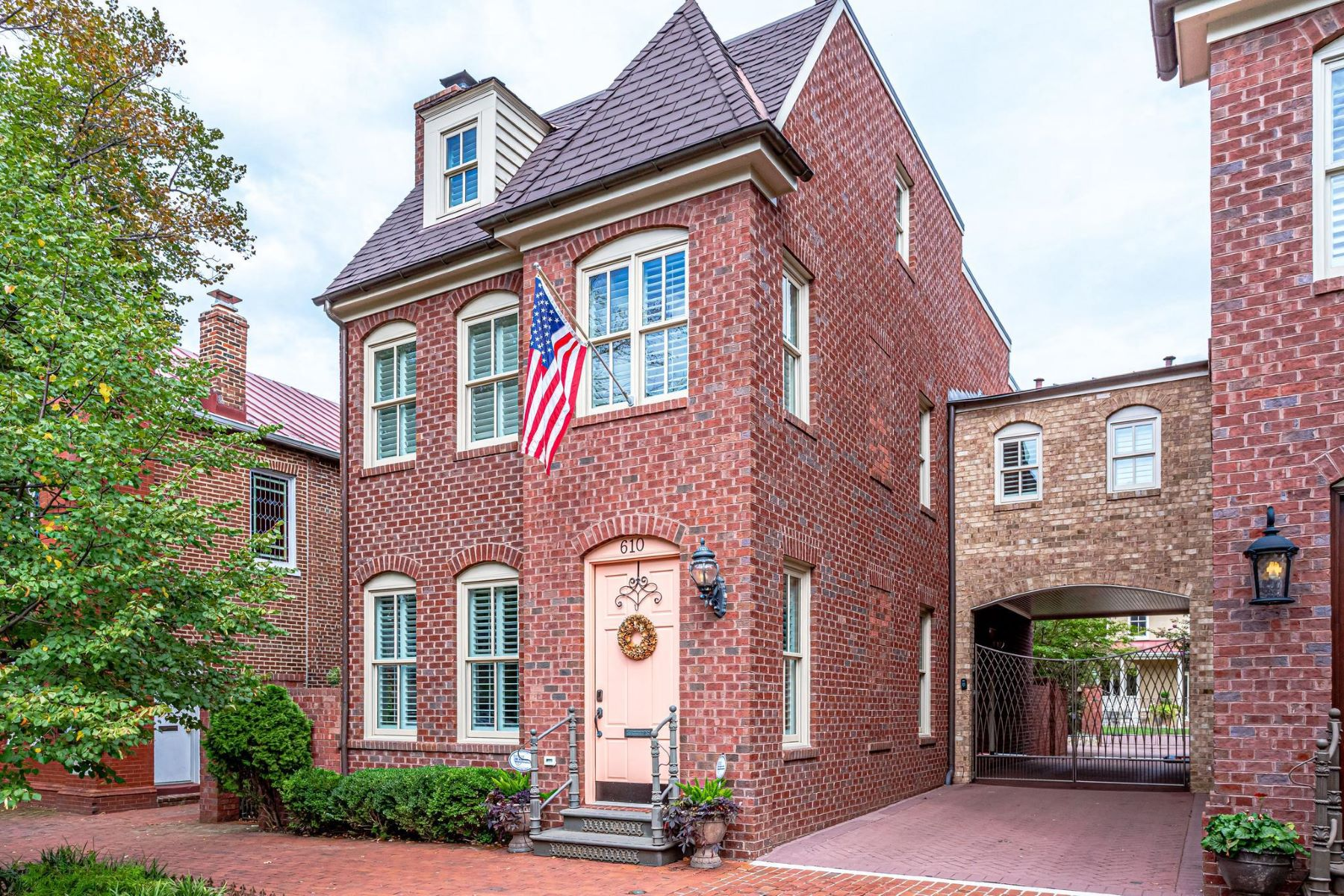 Single Family Homes for Active at 610 S Washington St Alexandria, Virginia 22314 United States