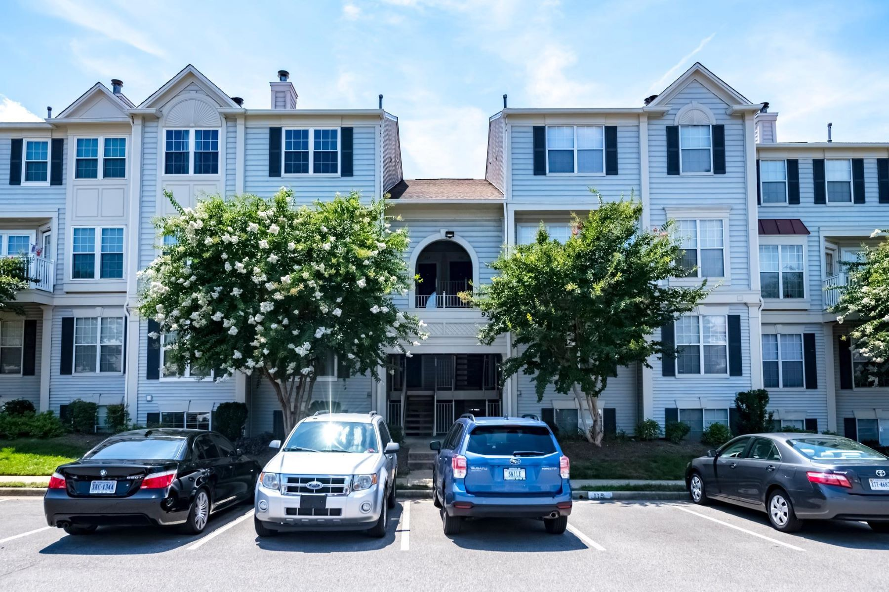 Condominiums for Sale at 9250 Cardinal Forest Ln #101 Lorton, Virginia 22079 United States