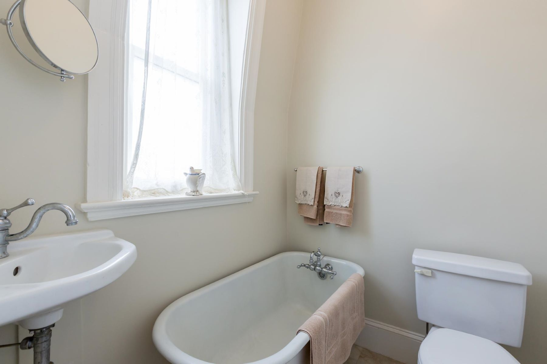 Additional photo for property listing at 1915 S St Nw 1915 S St Nw Washington, District Of Columbia 20009 United States