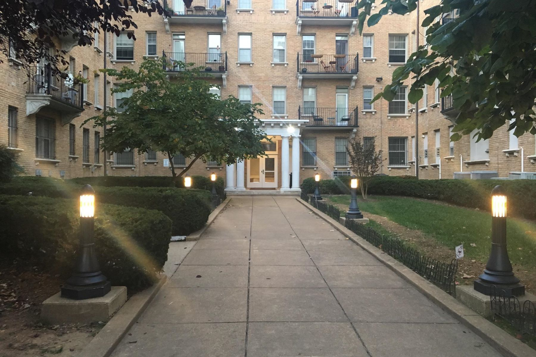 Apartment for Rent at 1401 Columbia Rd Nw #109 1401 Columbia Rd Nw #109 Washington, District Of Columbia 20009 United States