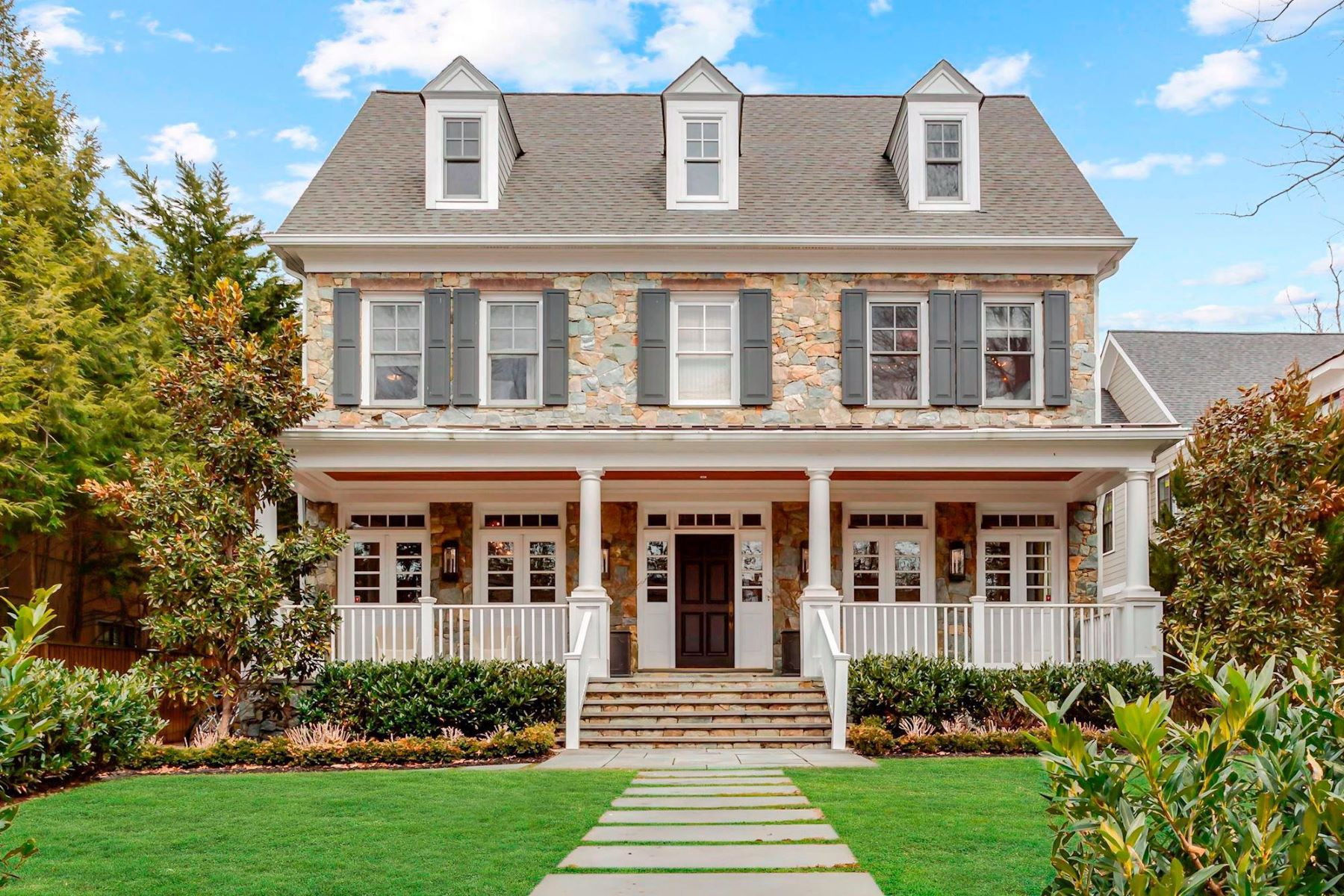 single family homes for Active at 5211 Hampden Ln Bethesda, Maryland 20814 United States