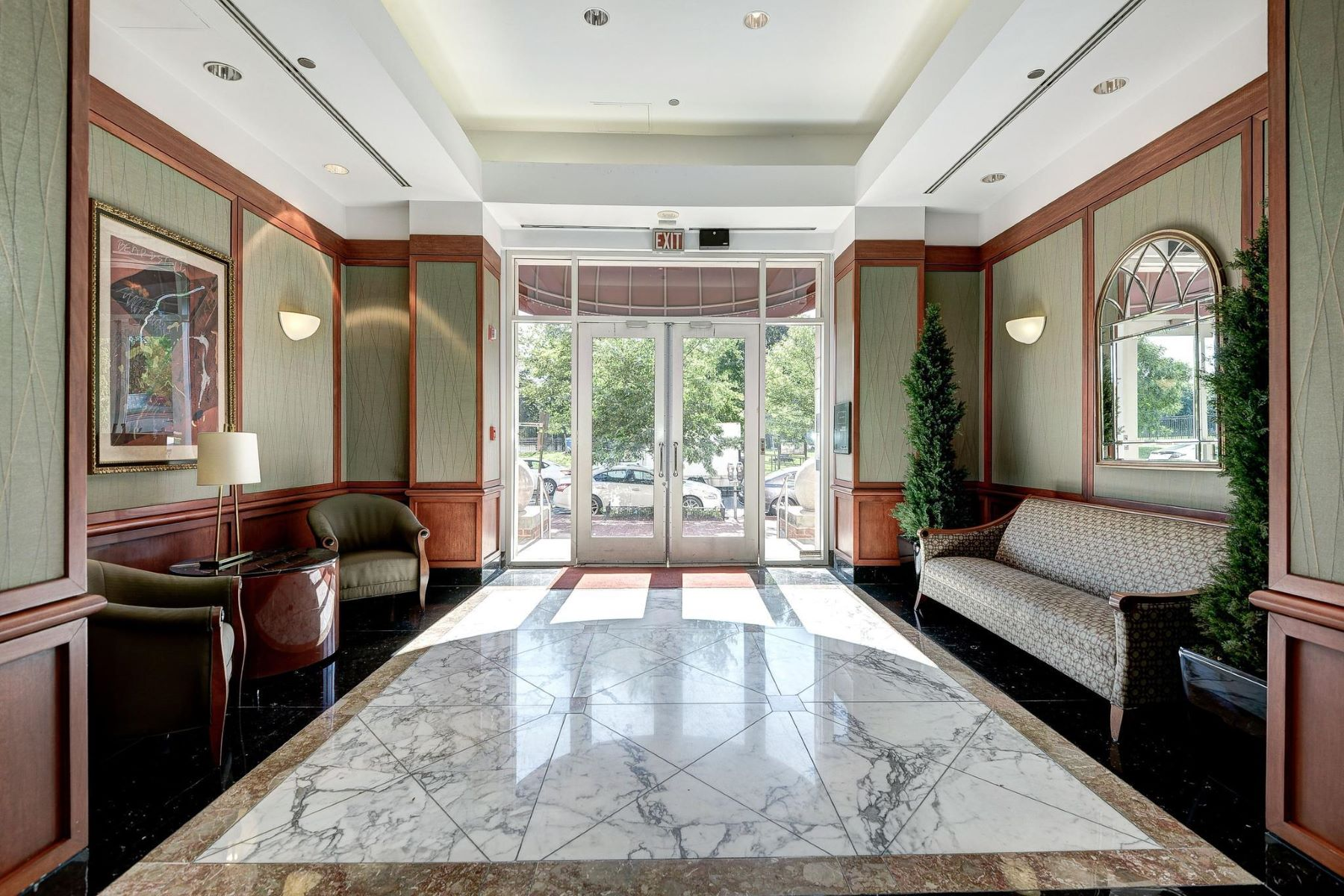 Condominium for Rent at 1275 25th St Nw #600 1275 25th St Nw #600 Washington, District Of Columbia 20037 United States