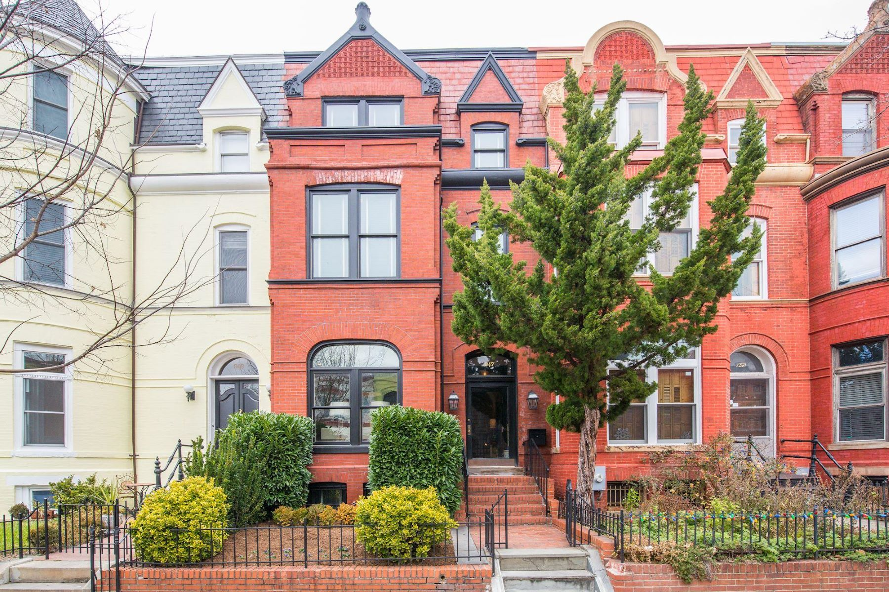 Townhouse for Sale at 947 S St NW 947 S St NW Washington, District Of Columbia 20001 United States