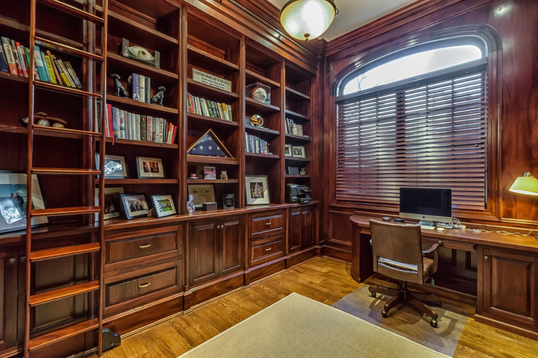 Additional photo for property listing at 3050 University Ter Nw 3050 University Ter Nw Washington, District Of Columbia 20016 United States