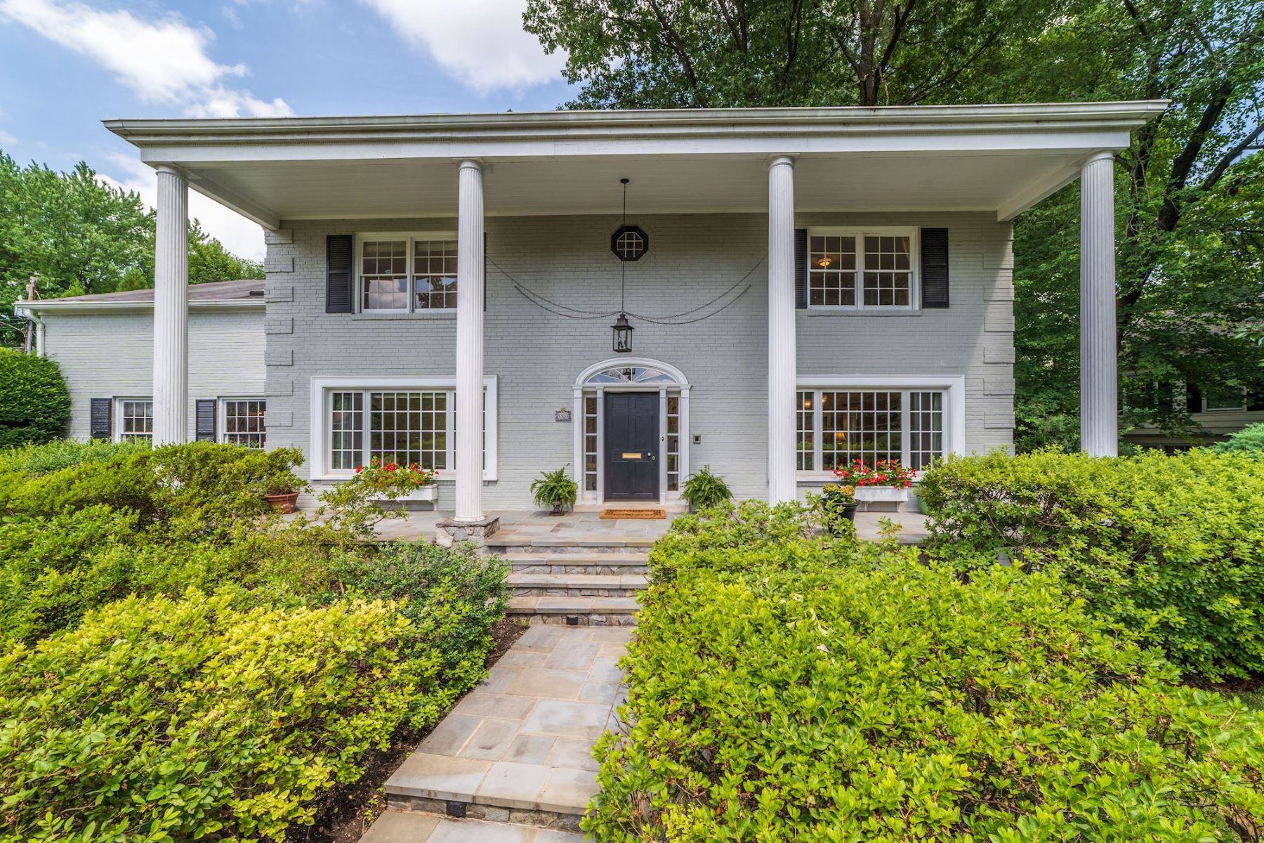 Single Family Homes for Active at 3323 N Vermont St Arlington, Virginia 22207 United States
