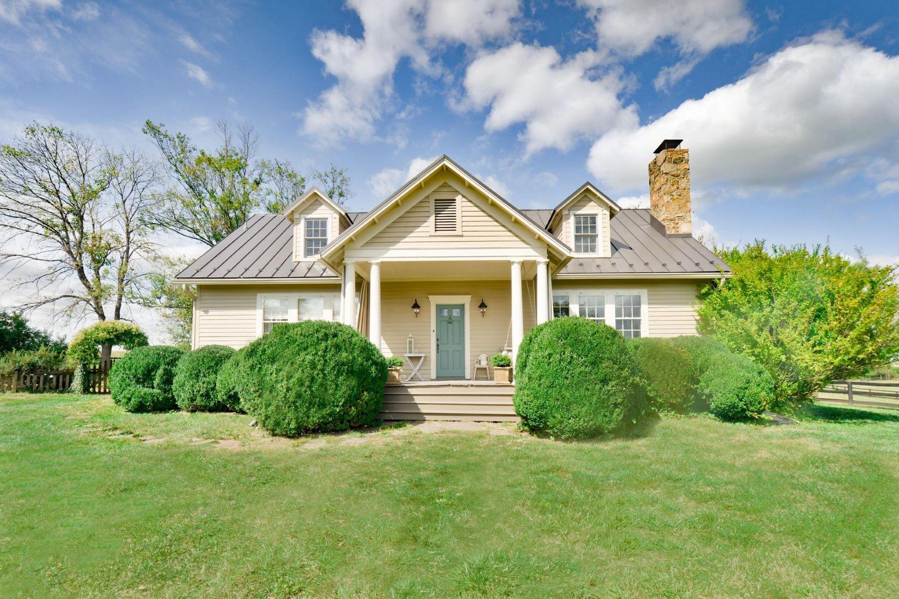 Single Family Homes por un Venta en 8478 Springs Rd Warrenton, Virginia 20186 Estados Unidos