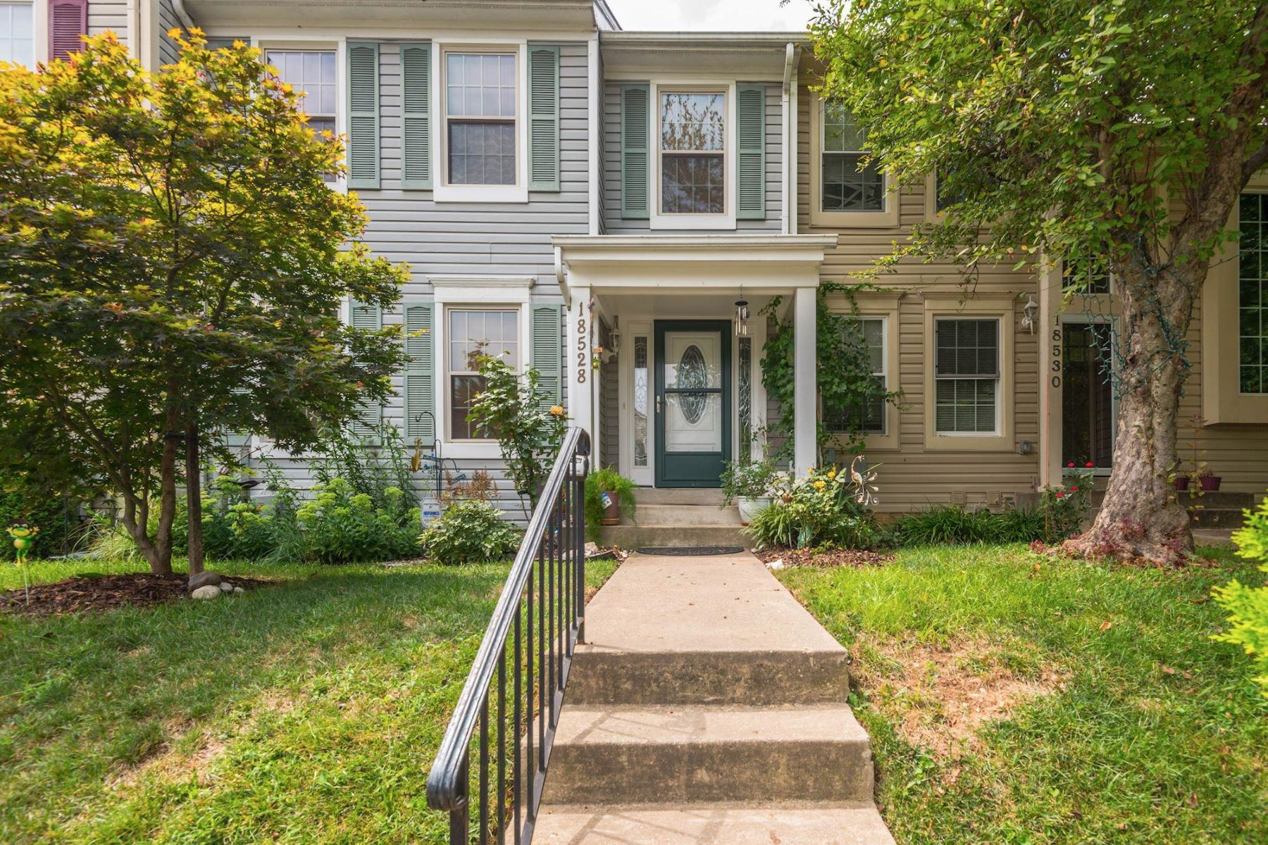 townhouses for Sale at 18528 Cherry Laurel Ln Gaithersburg, Maryland 20879 United States