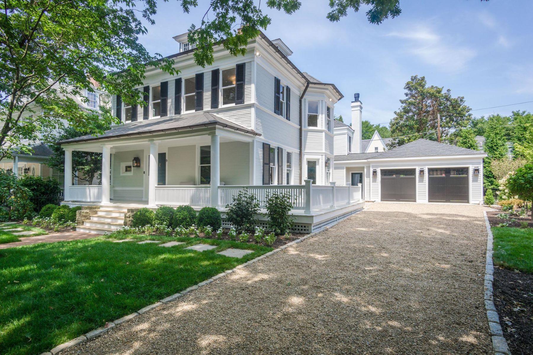 Single Family Homes 为 销售 在 9 W Irving St 切维莱斯, 马里兰州 20815 美国