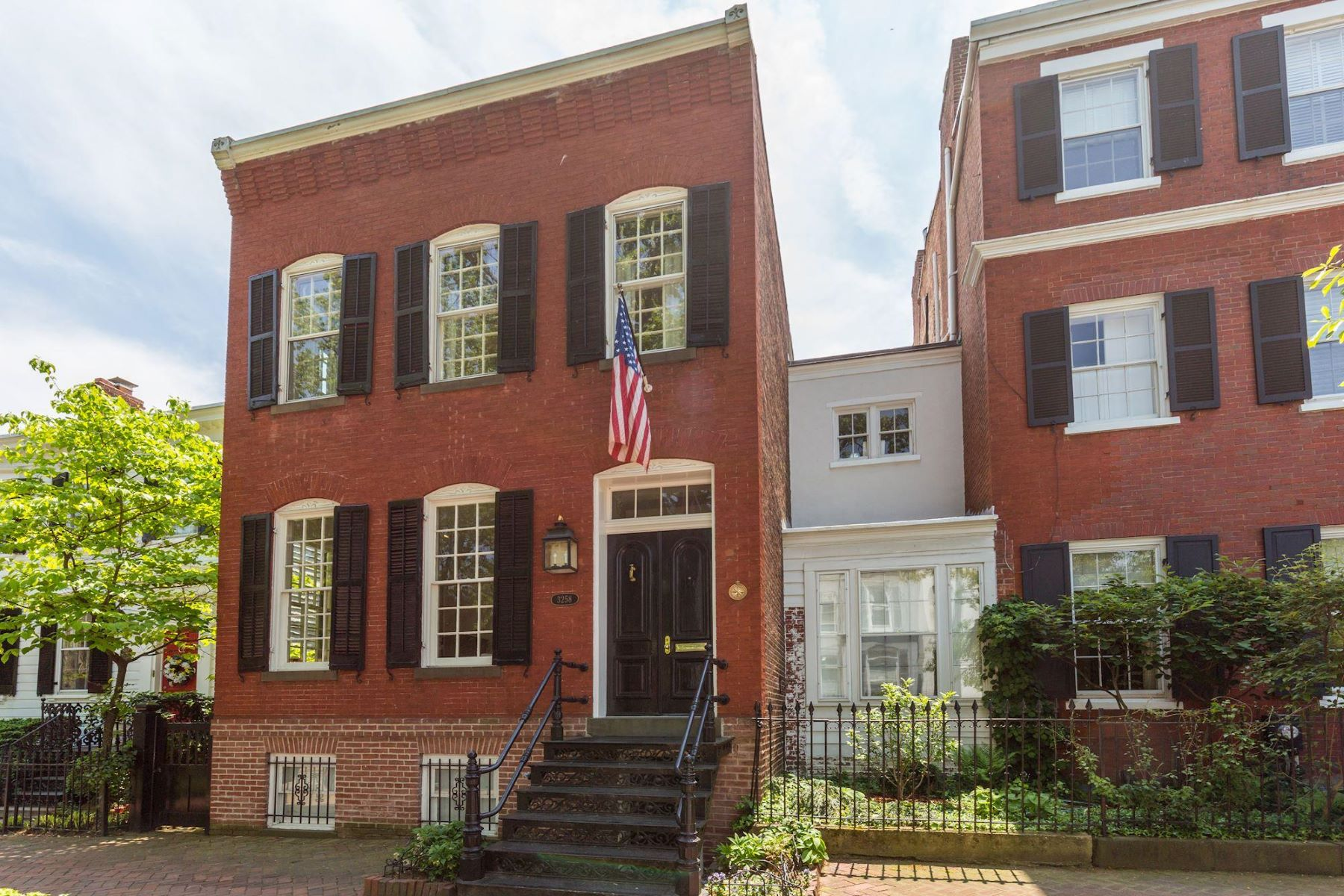 Single Family Home for Sale at 3258 O St Nw 3258 O St Nw Washington, District Of Columbia 20007 United States
