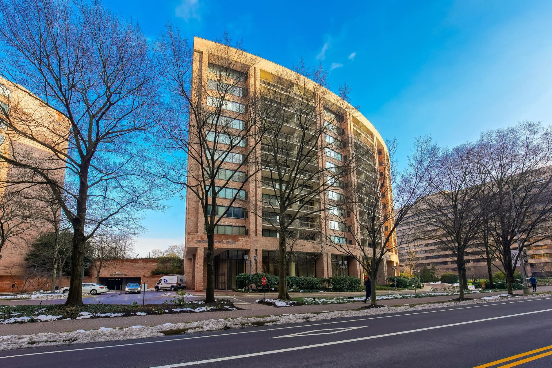 Other Residential for Rent at 1805 Crystal Dr #809s Arlington, Virginia 22202 United States